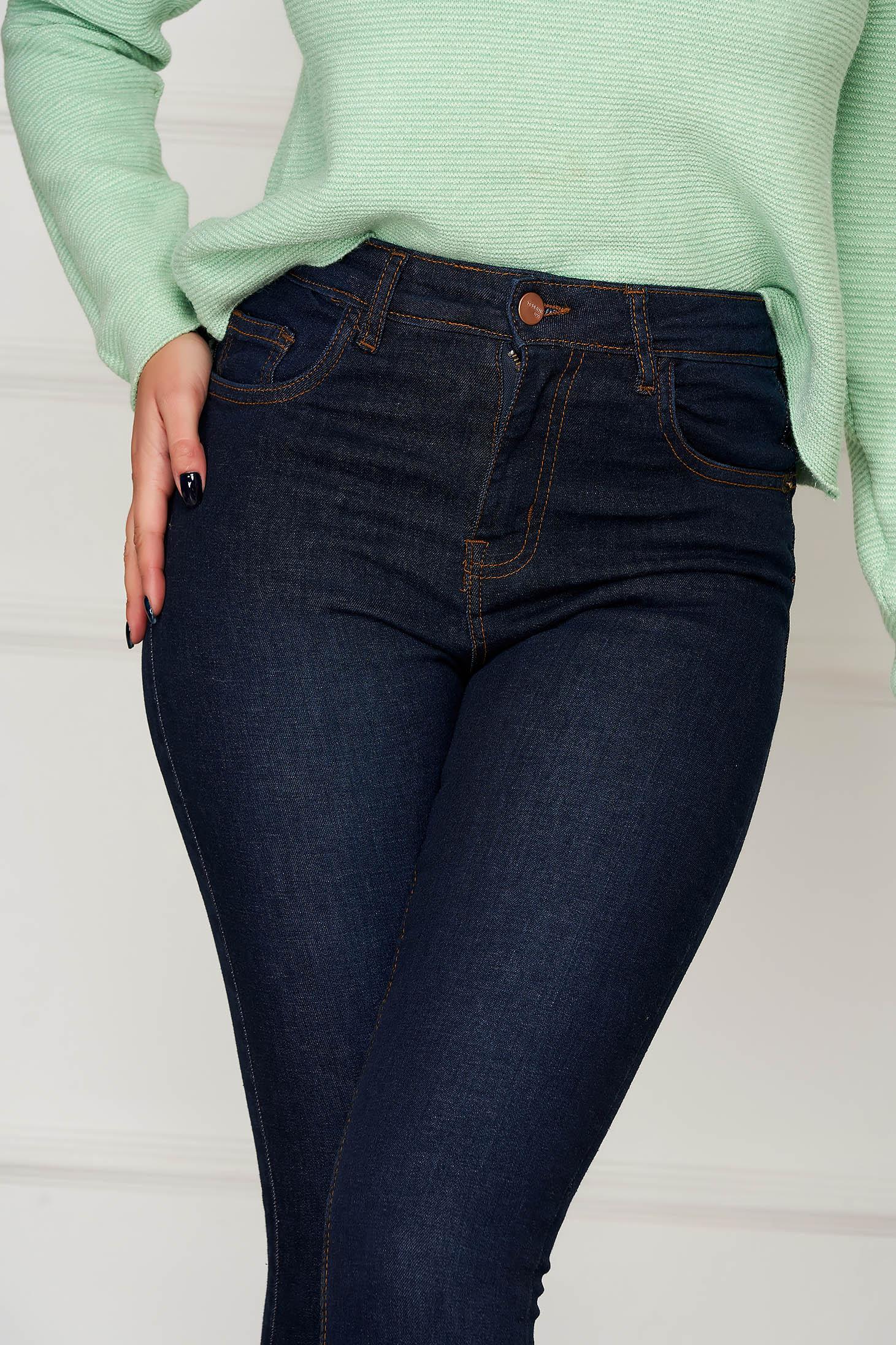 Pantaloni Top Secret albastru-inchis casual conici lungi din denim cu buzunare