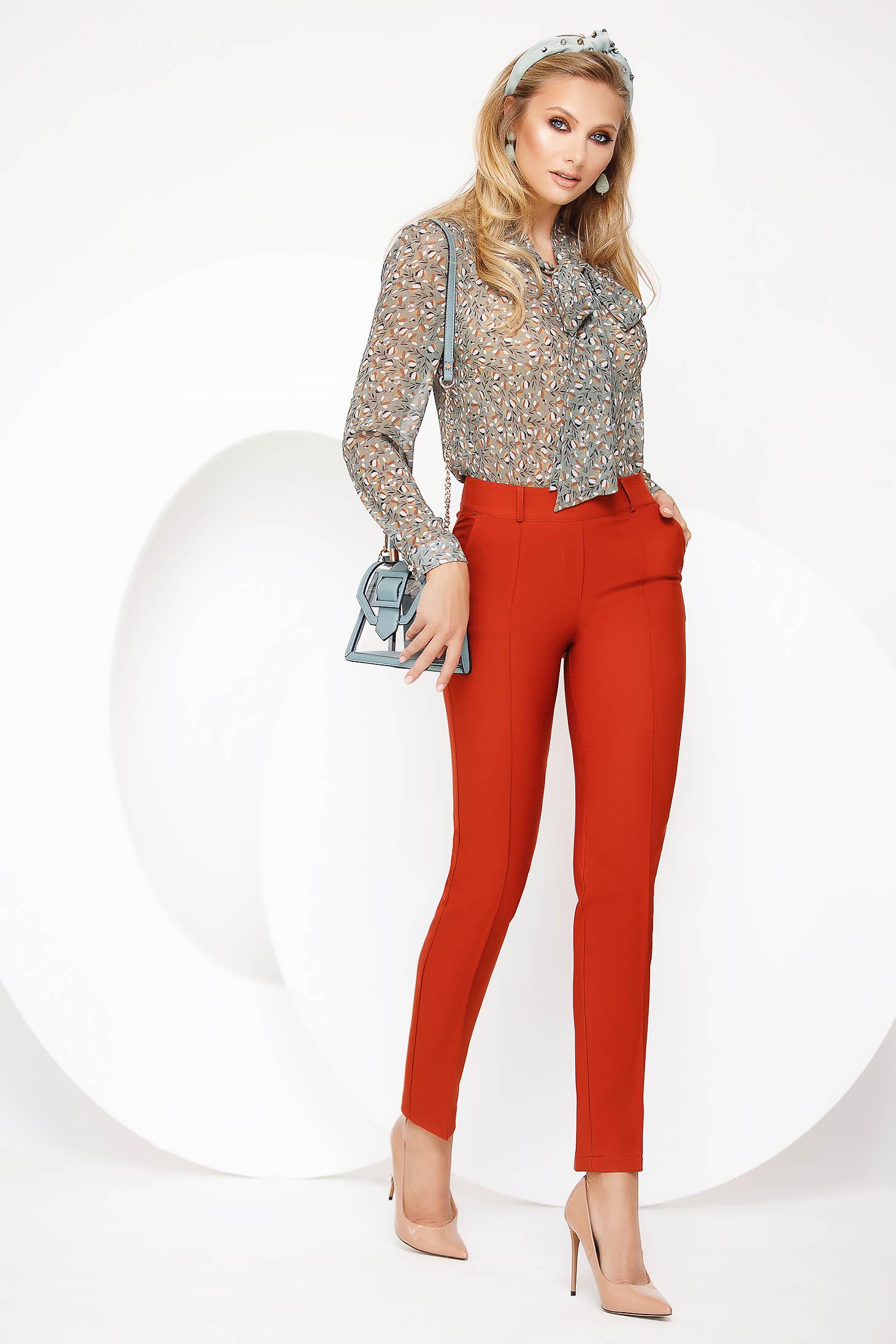 Pantaloni Fofy caramizii eleganti cu un croi drept cu talie medie cu accesoriu tip curea
