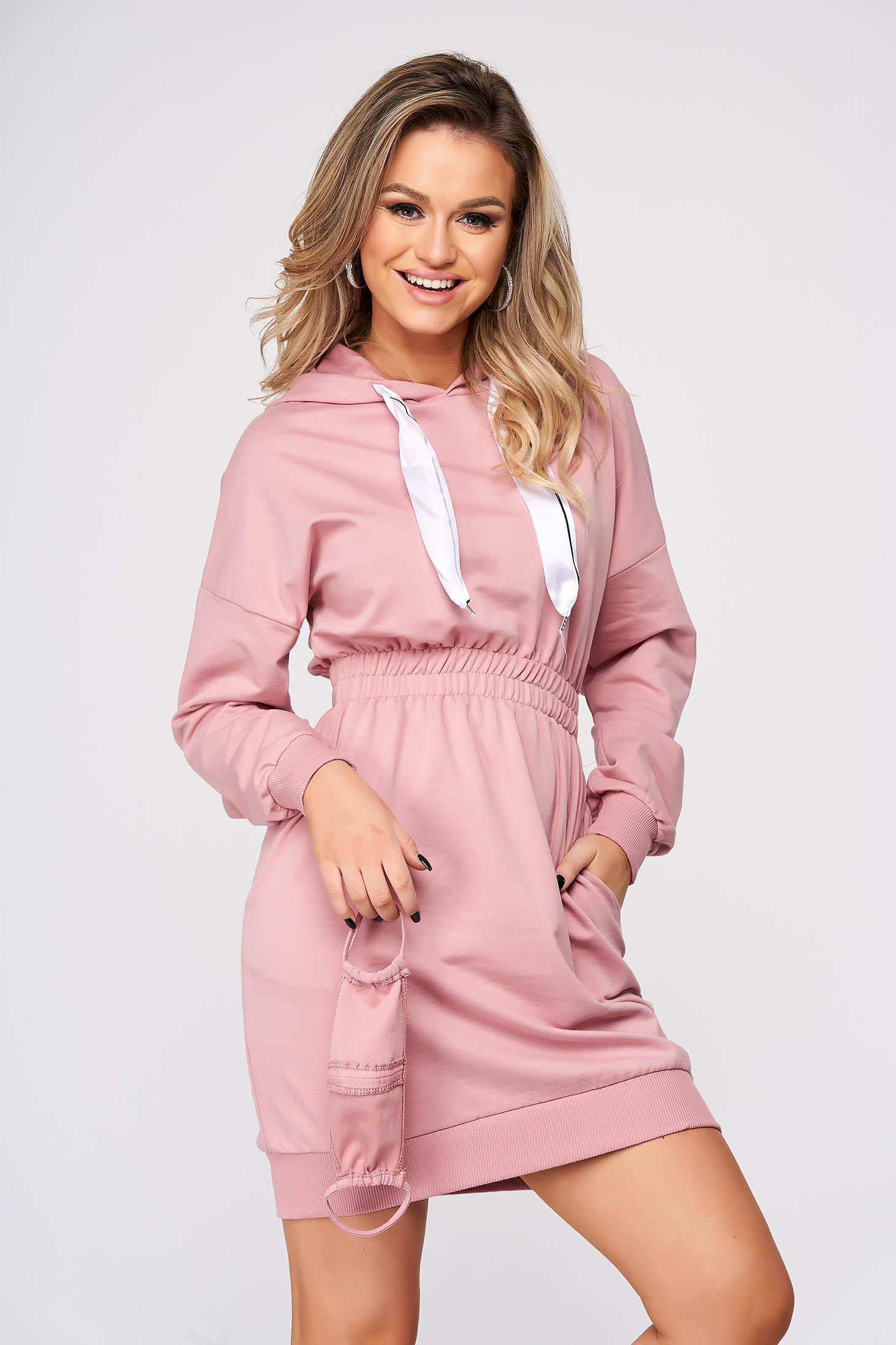 Púder rózsaszínű casual rövid pamutból készült ceruza ruha zsebekkel