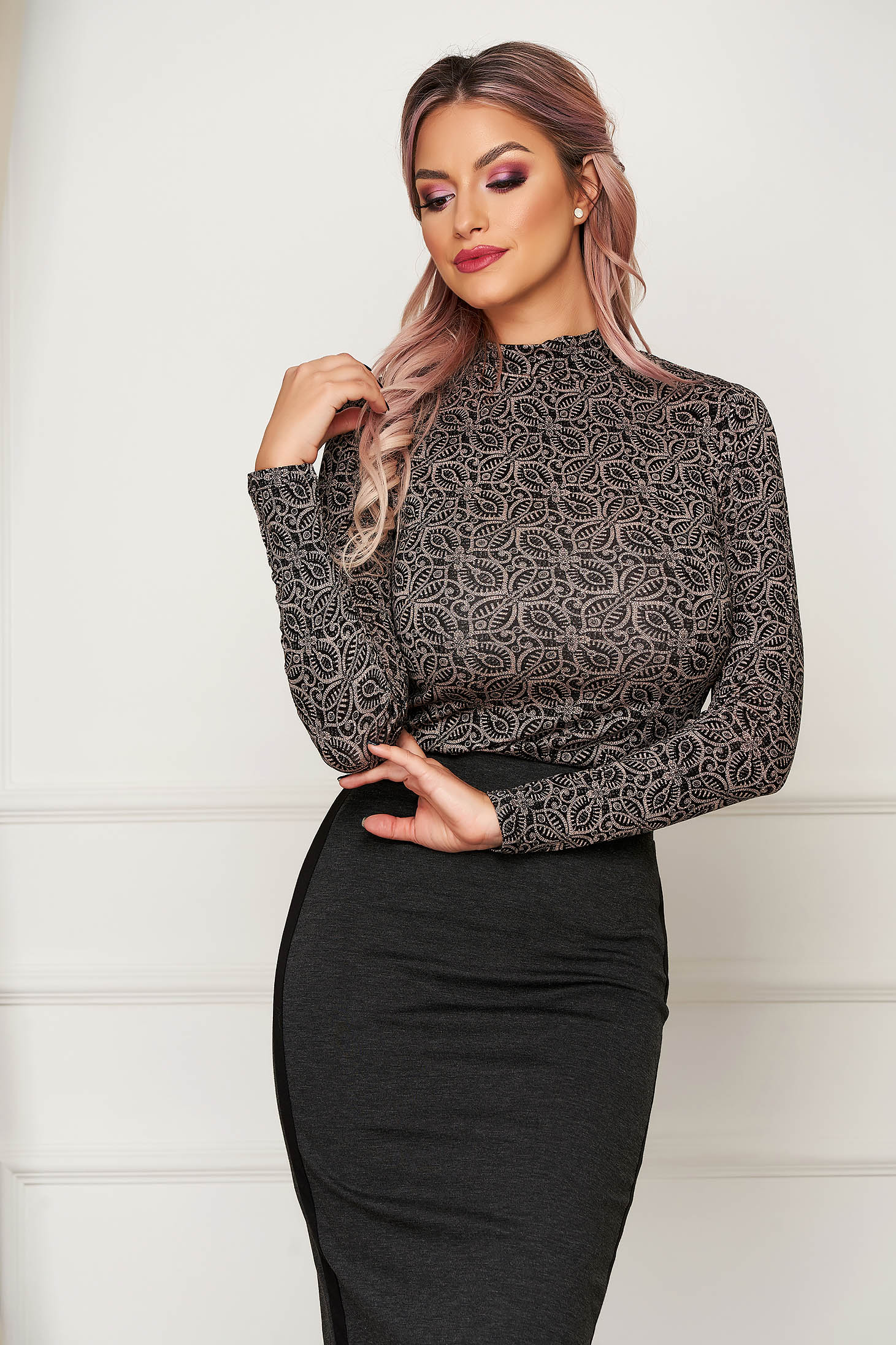 Black sweater casual turtleneck long sleeved with graphic details