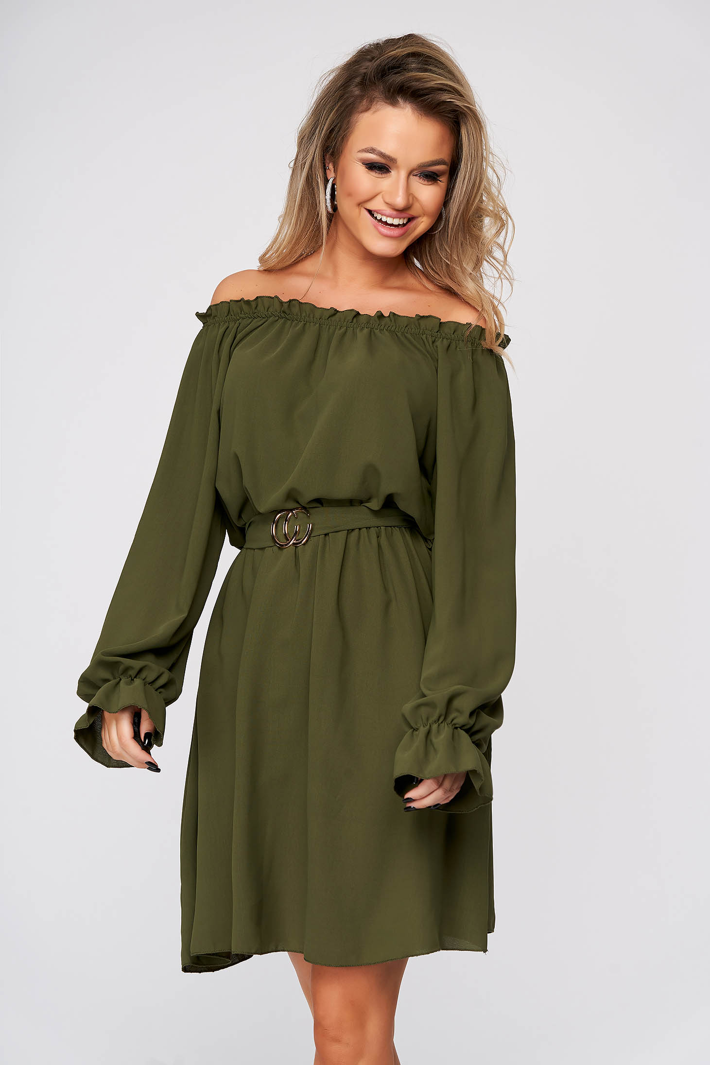 Green dress short cut daily thin fabric naked shoulders straight