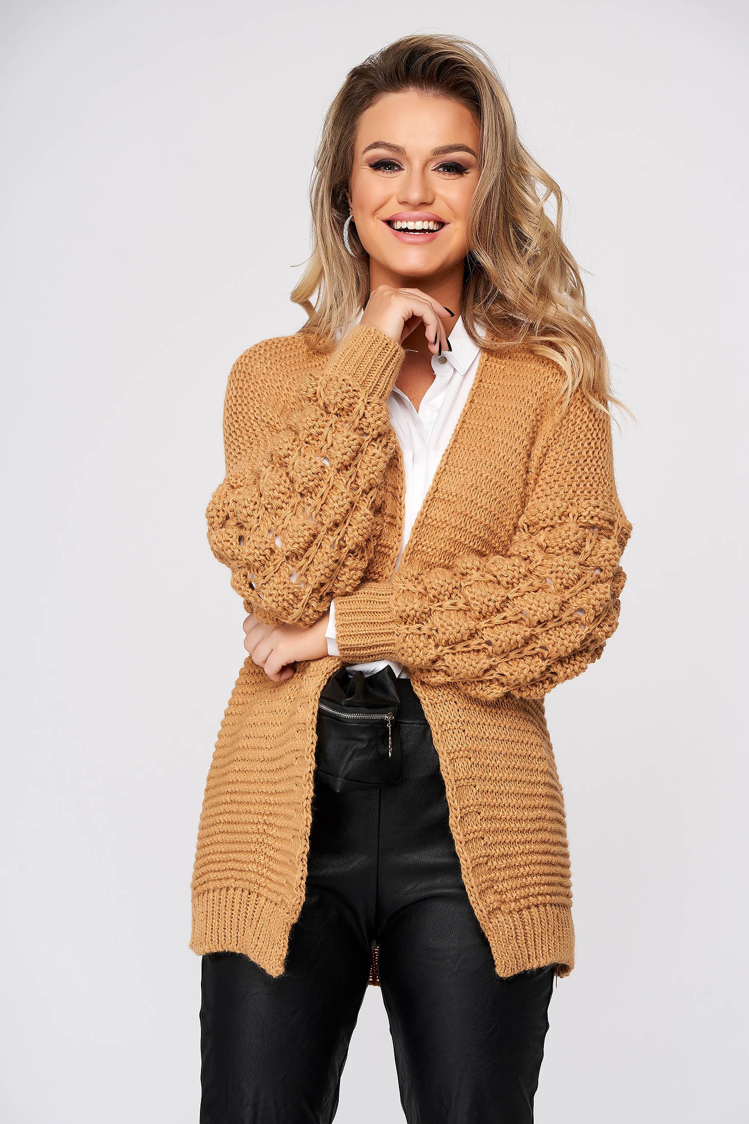 Cappuccino cardigan casual with easy cut knitted fabric