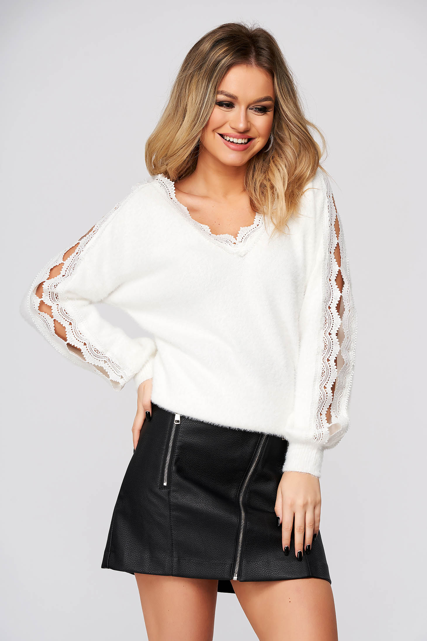 White sweater casual flared with cut-out sleeves with lace details
