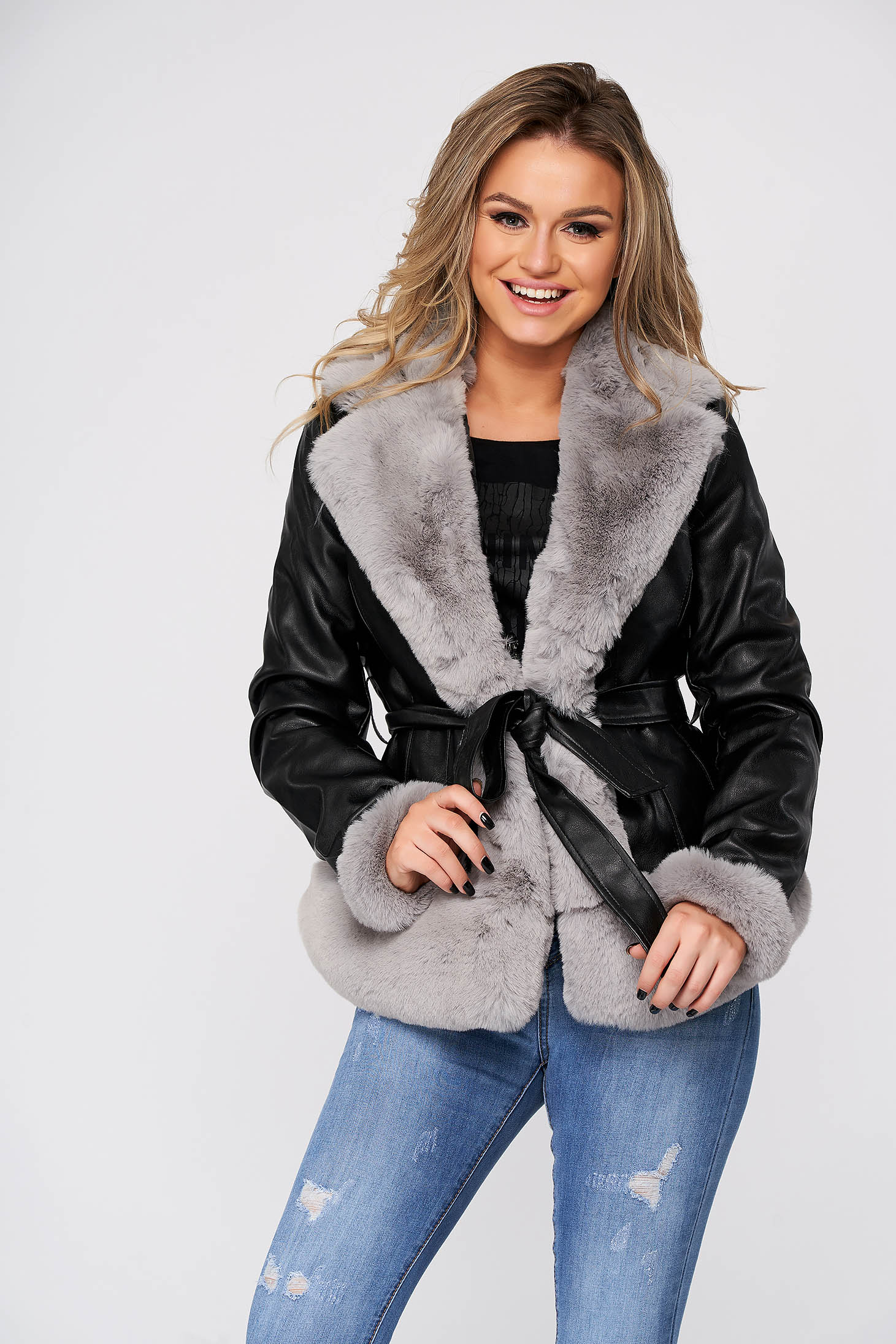 Grey jacket short cut from ecological leather with faux fur accessory