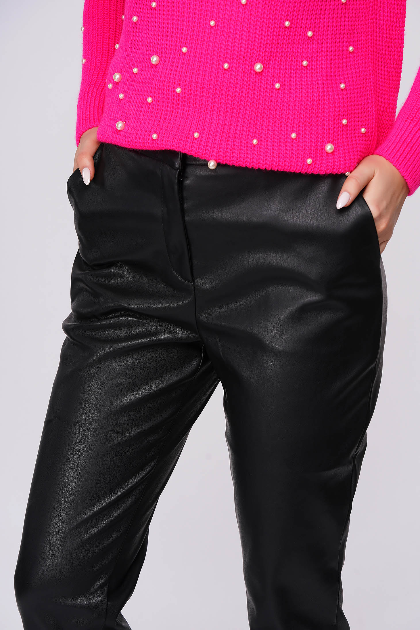 Pantaloni Top Secret din piele ecologica negri casual cu buzunare