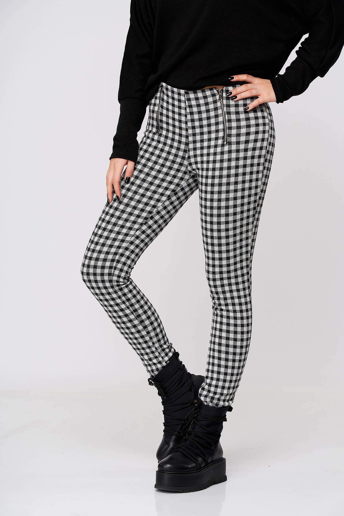 Black trousers casual conical slightly elastic fabric with medium waist