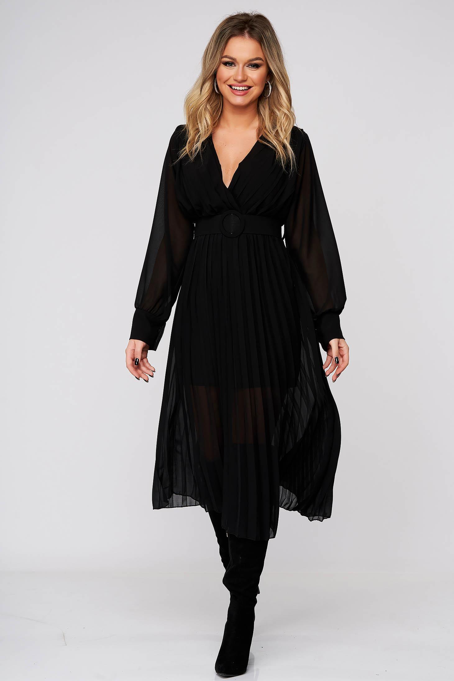 Fekete elegáns midi ruha rakott, pliszírozott muszlinból harang alakú szoknyával gumirozott derékrésszel