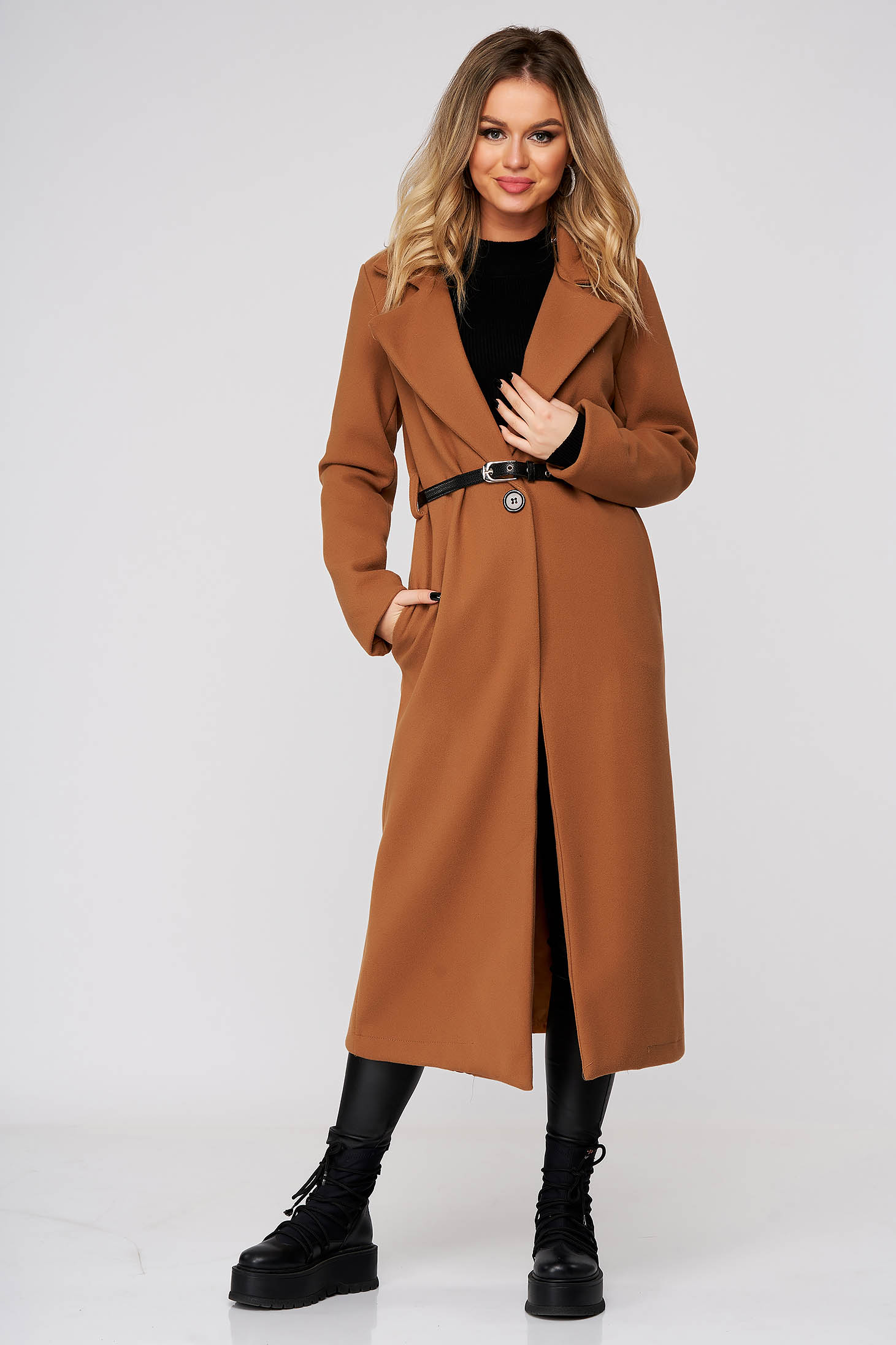Brown coat long straight cloth with pockets accessorized with belt