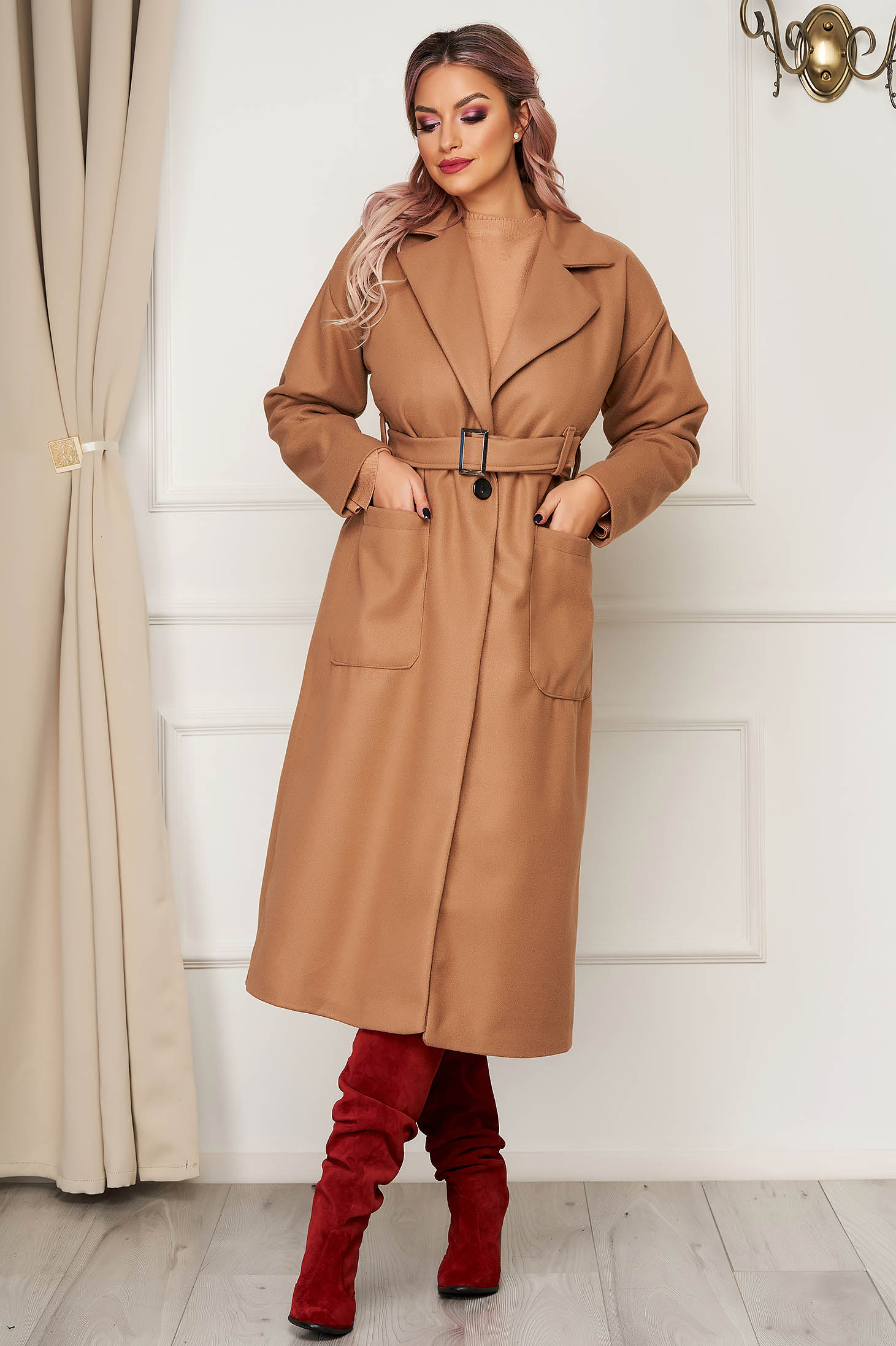 Elegant brown coat straight from non elastic fabric with pockets