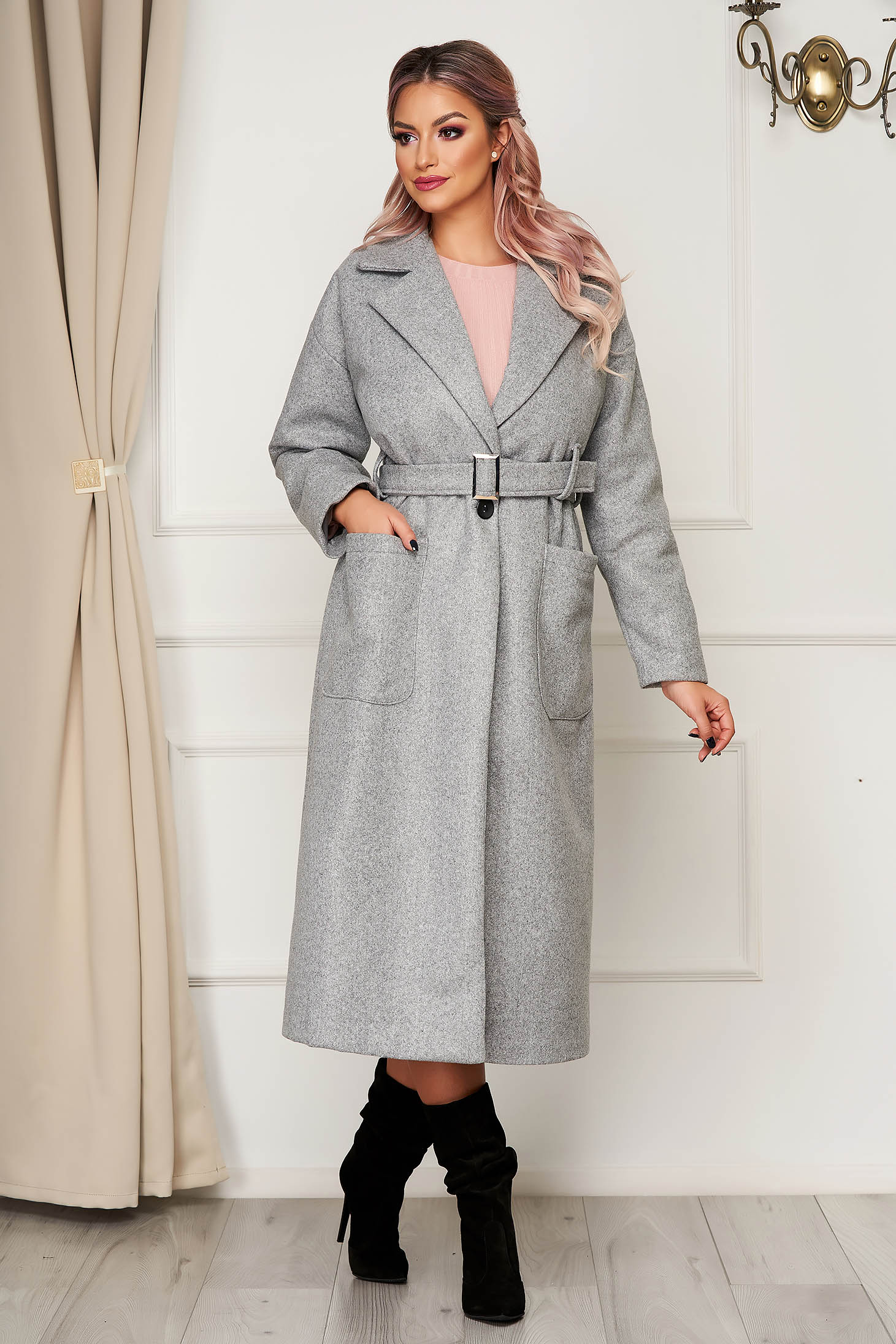 Elegant grey coat straight from non elastic fabric with pockets