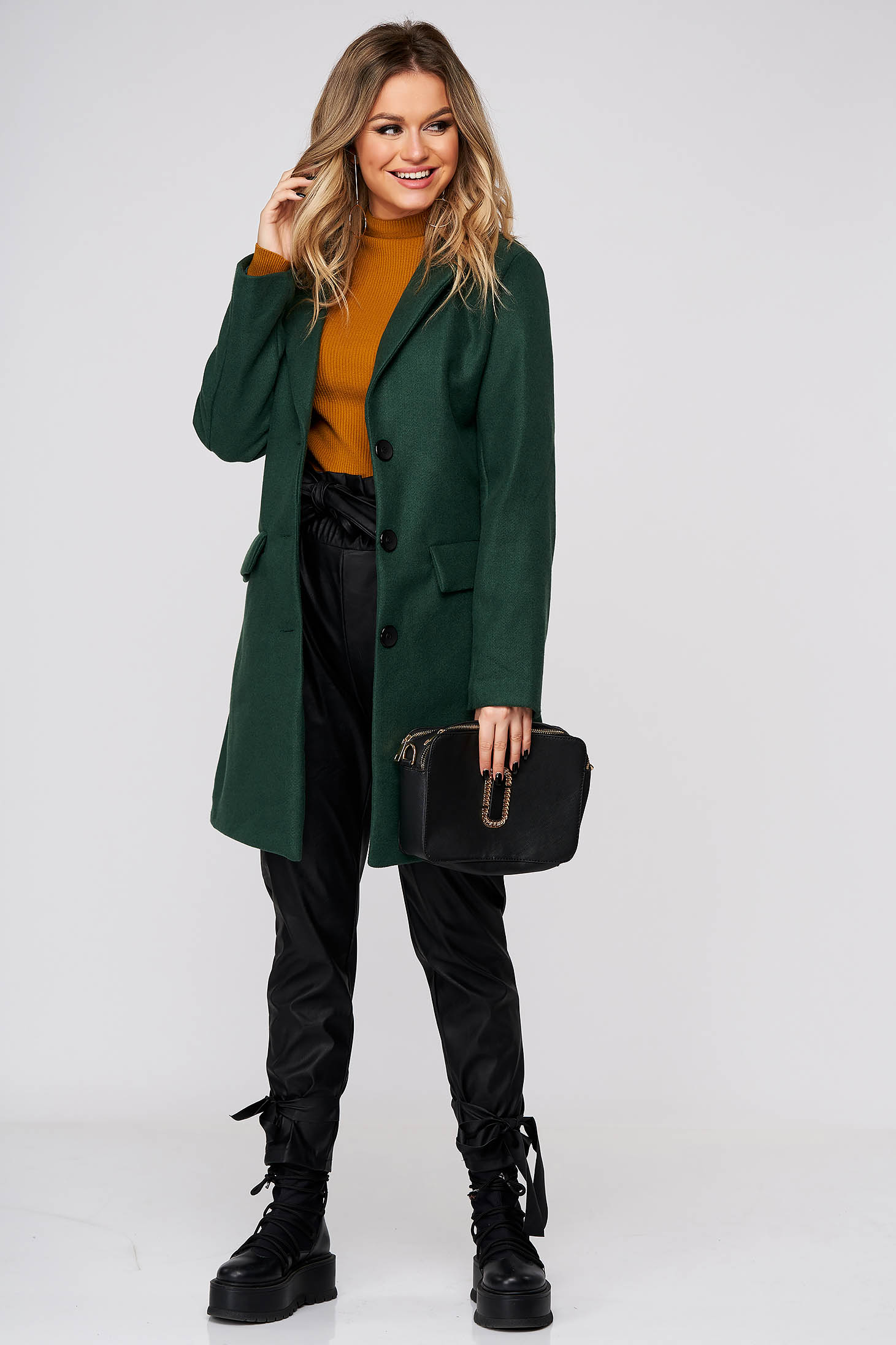 Dirty green coat casual cloth with straight cut with pockets