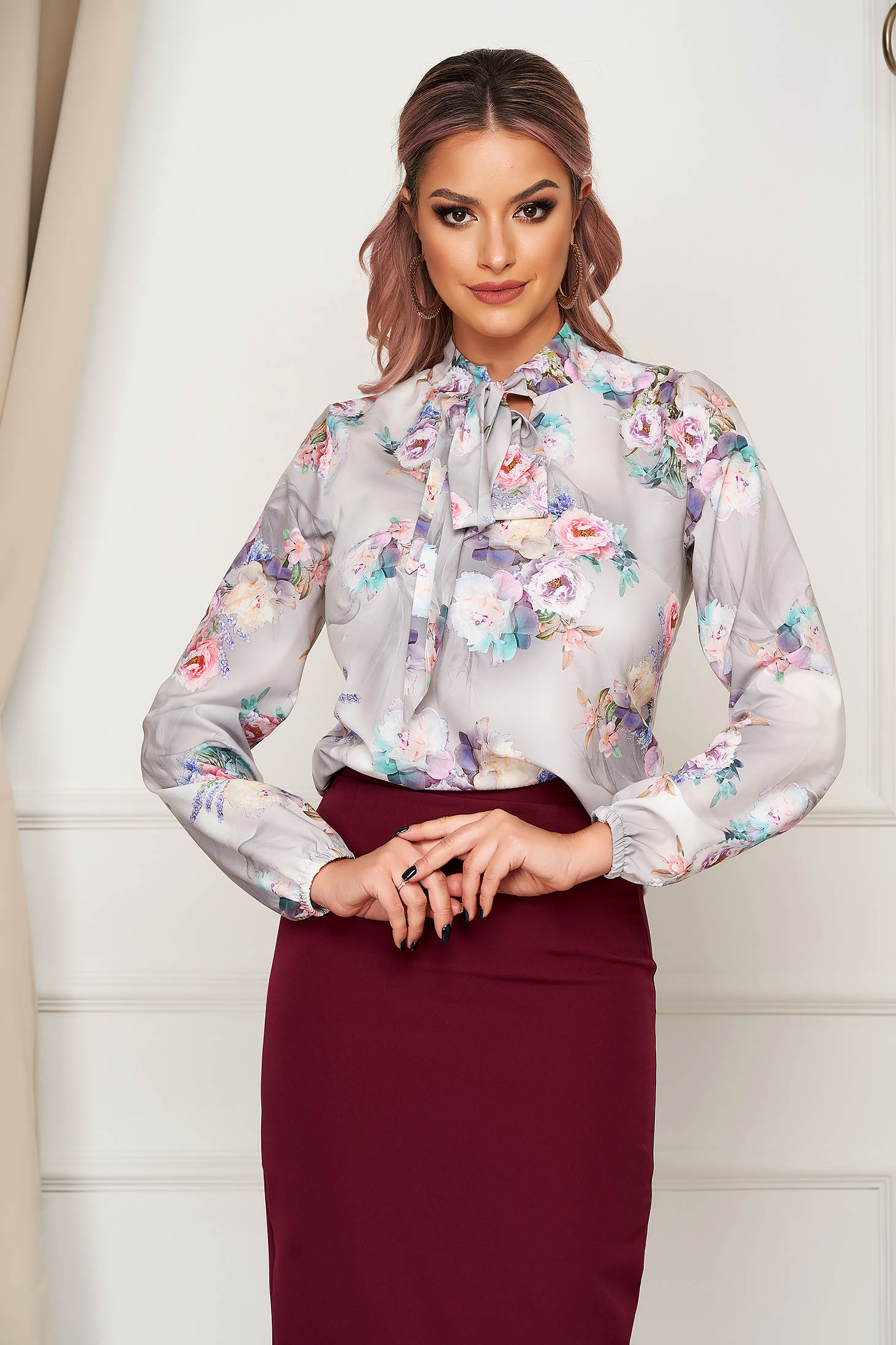Women`s blouse StarShinerS grey elegant short cut from veil fabric with floral print