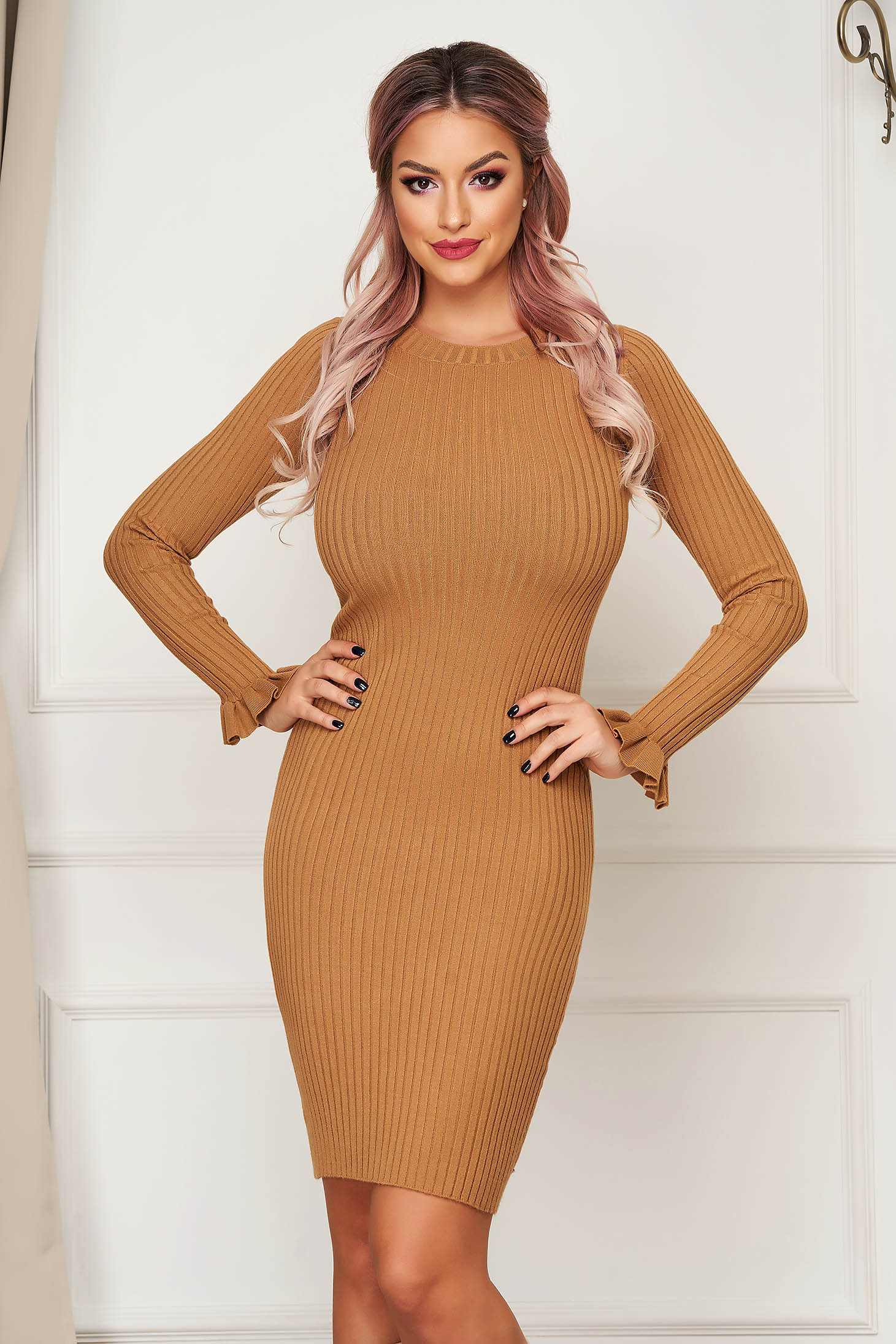 Brown dress short cut daily pencil knitted with ruffled sleeves