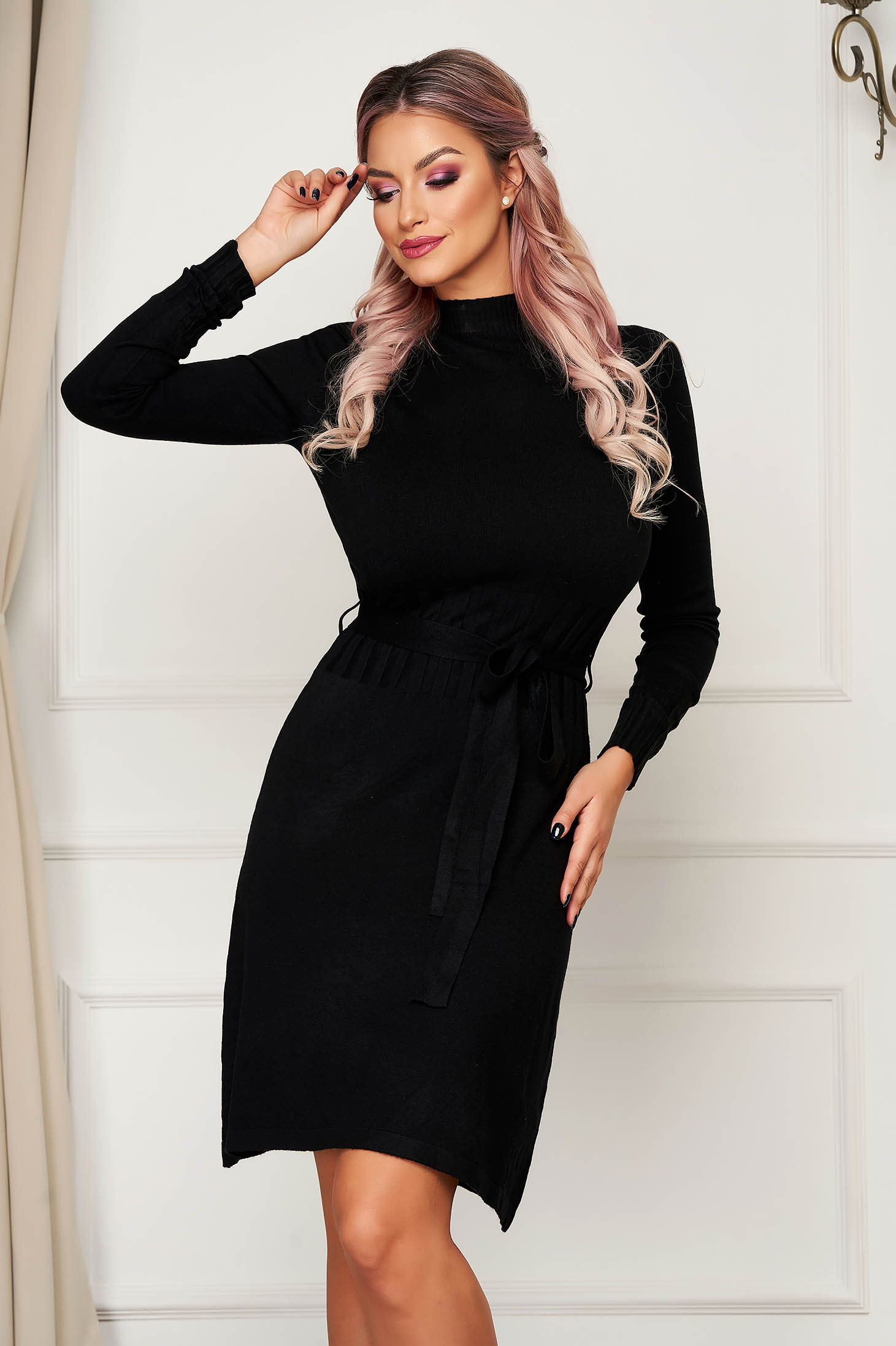 Black dress short cut daily knitted with straight cut with turtle neck