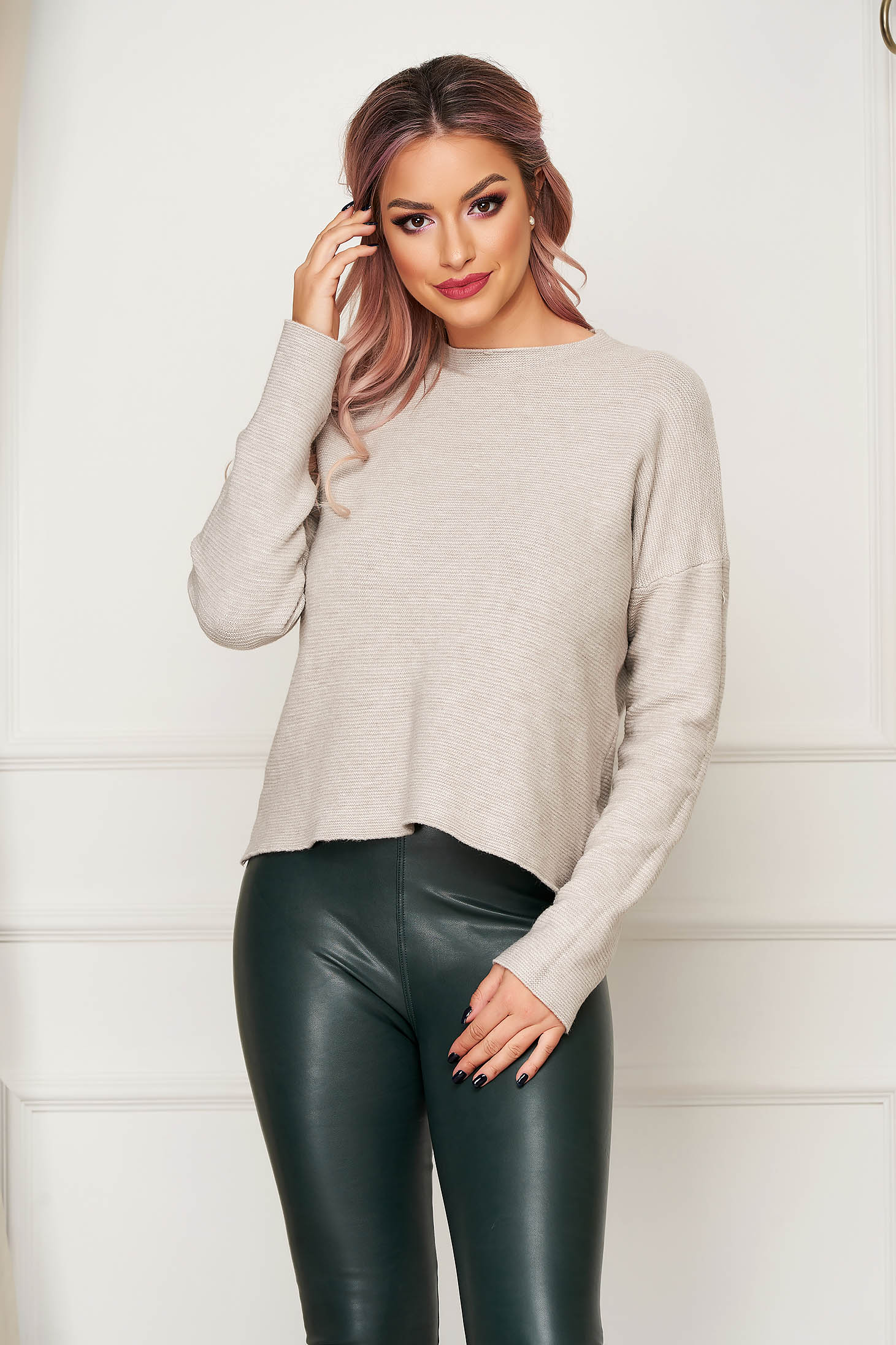 Cream women`s blouse casual flared knitted with large collar
