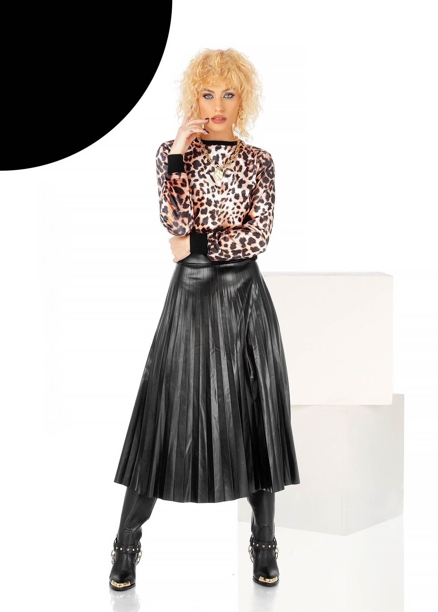 Fekete midi harang szoknya elasztikus csípővel rakott, pliszírozott műbőrből