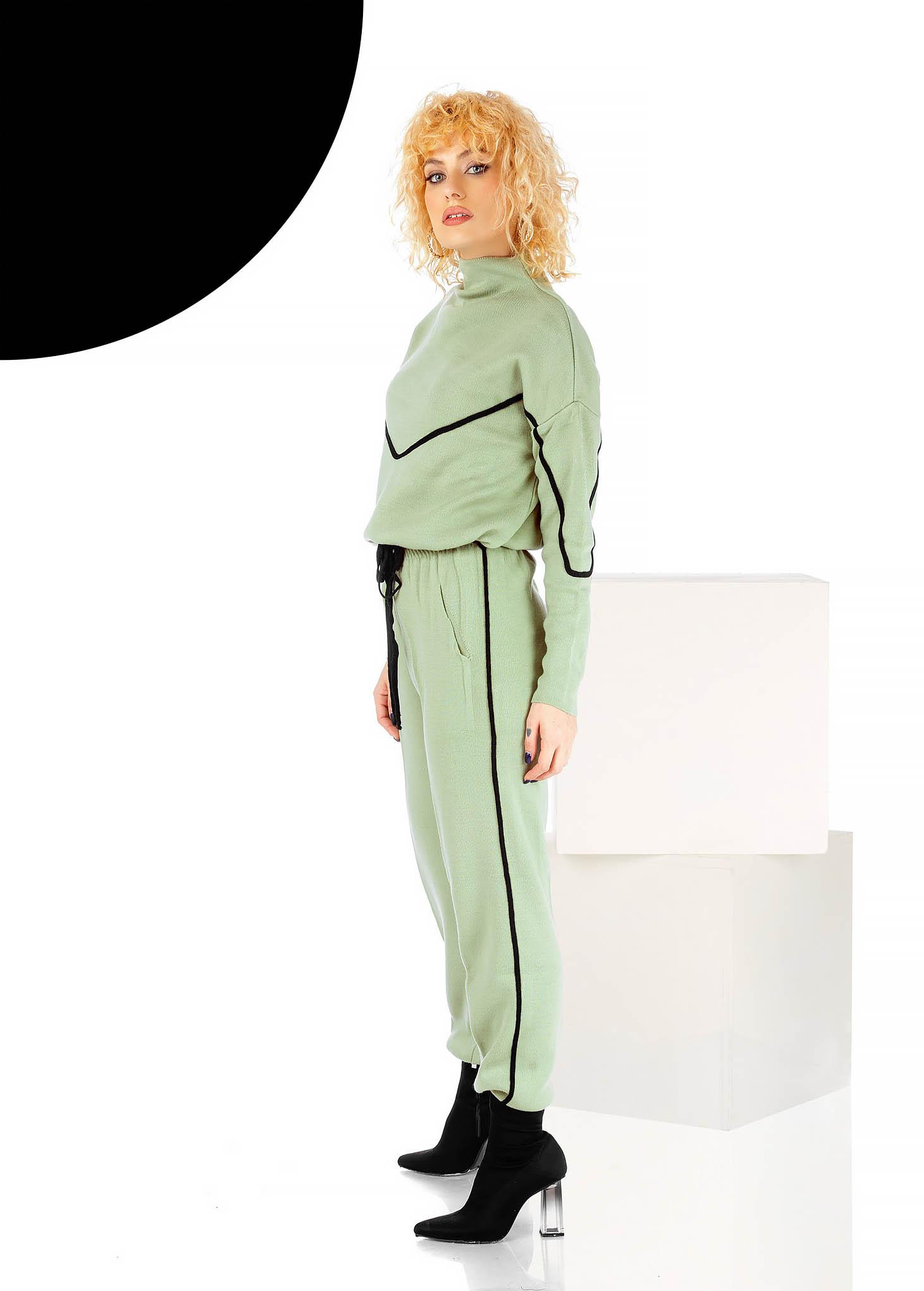 Trening dama verde-deschis casual din doua piese cu pantaloni si croi larg