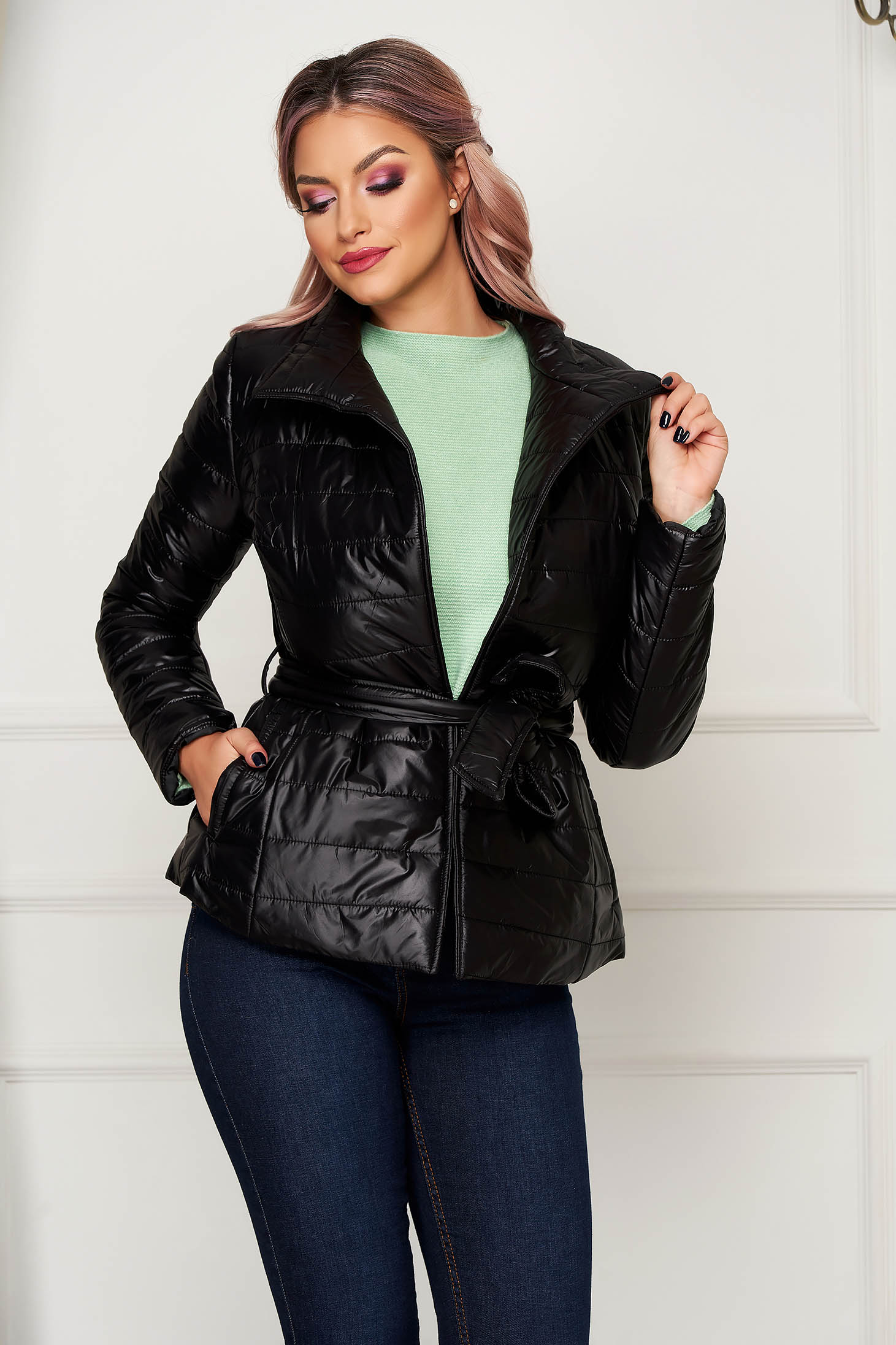 Casual short cut black jacket from slicker high collar with pockets