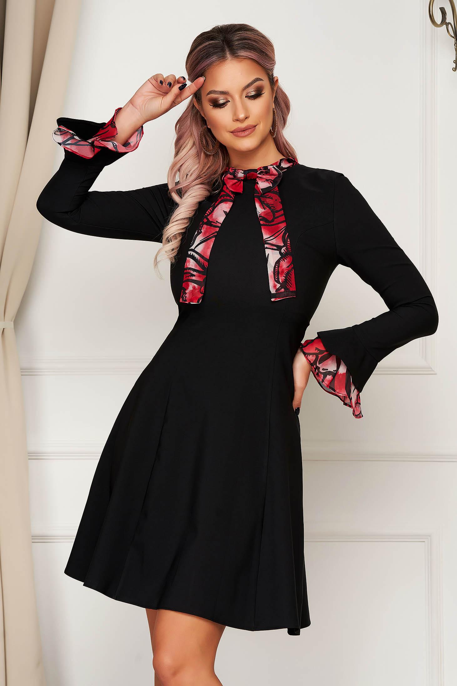 Rochie neagra eleganta midi din stofa cu croi in a si maneci clopot