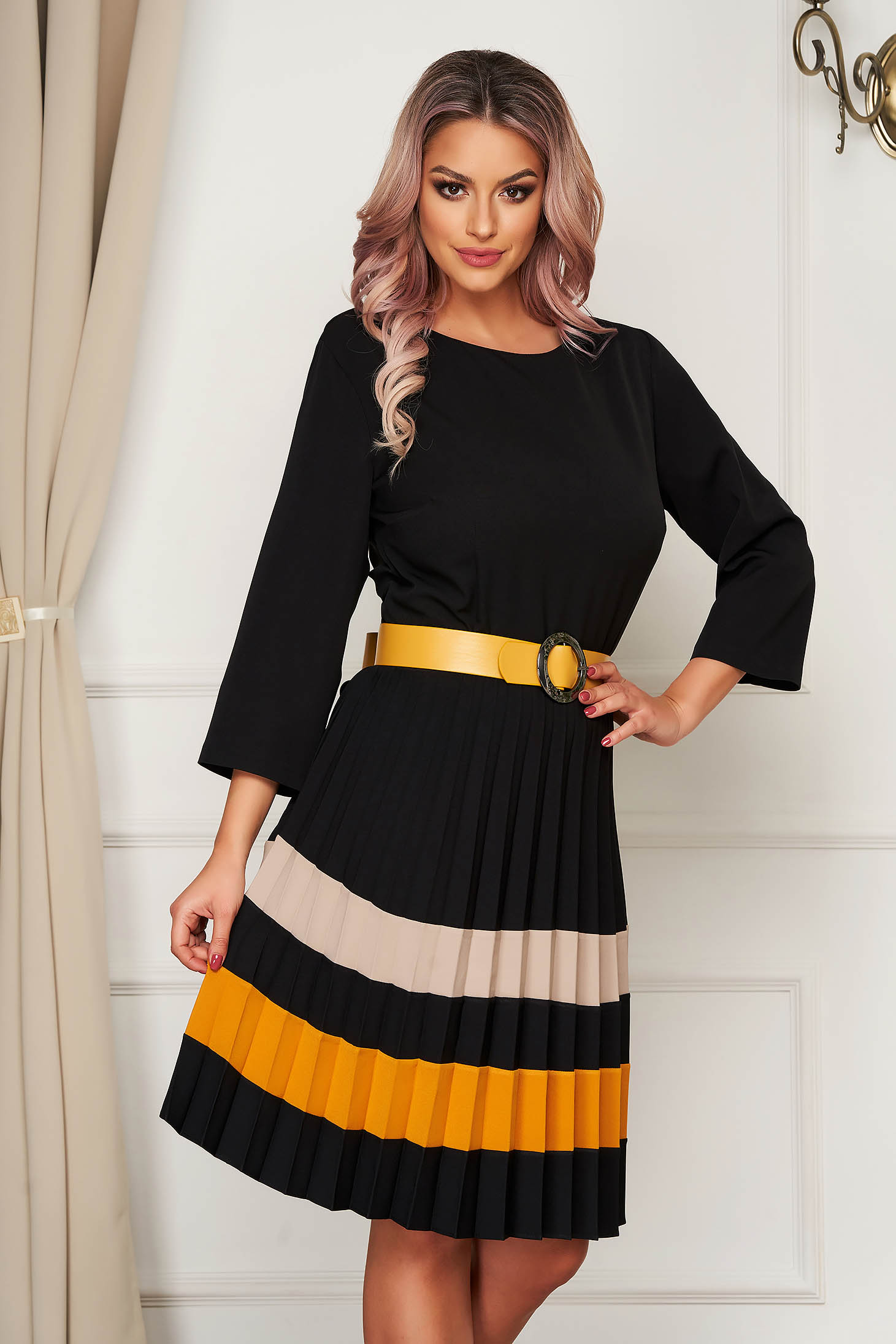 Yellow dress office slightly elastic fabric folded up accessorized with belt cloche