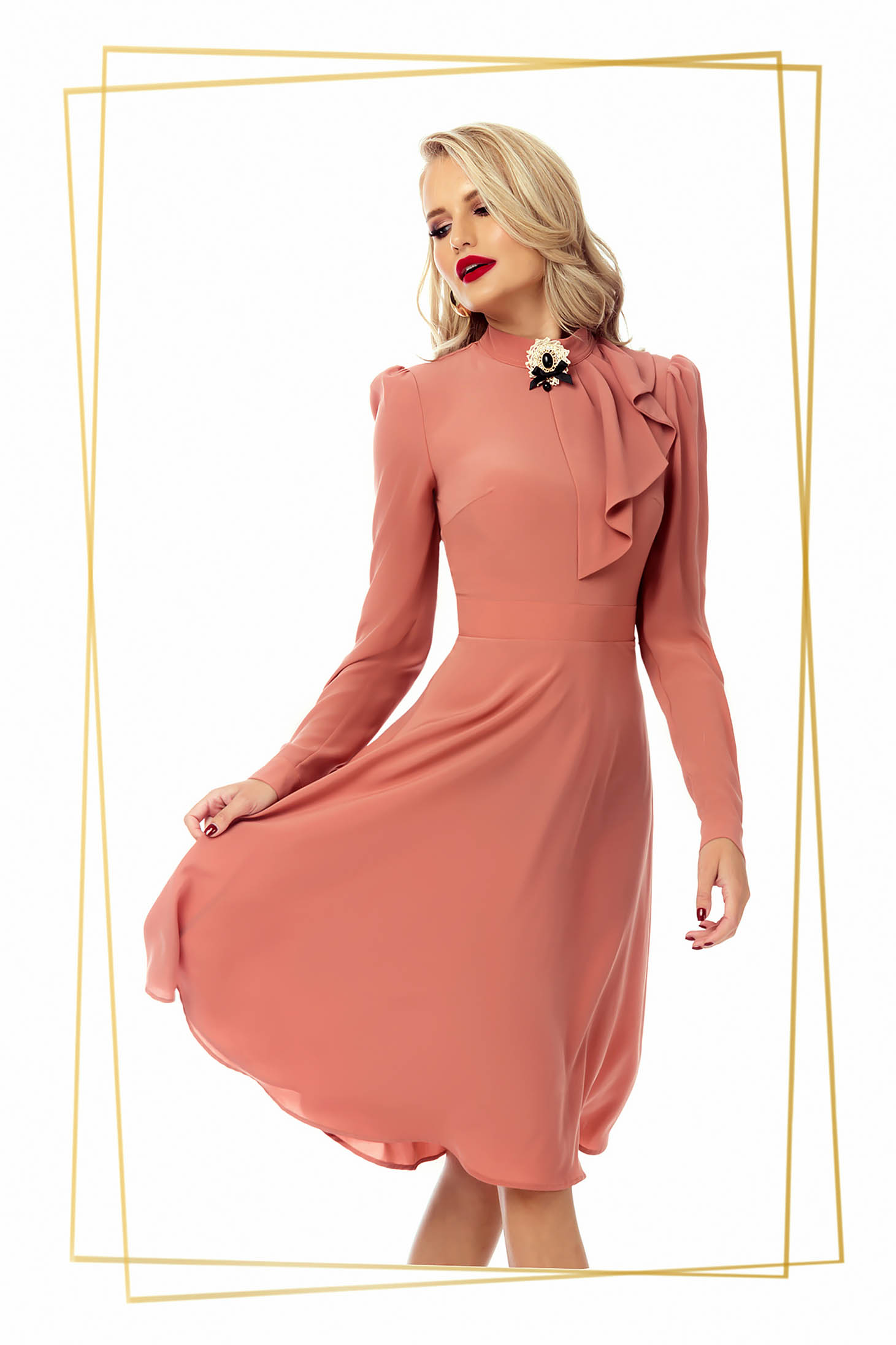 Dress lightpink elegant cloche voile fabric accessorized with breastpin