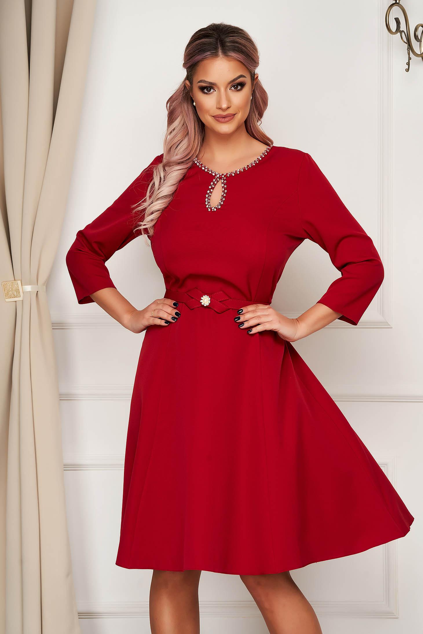 Burgundy dress midi elegant cloche cloth with crystal embellished details