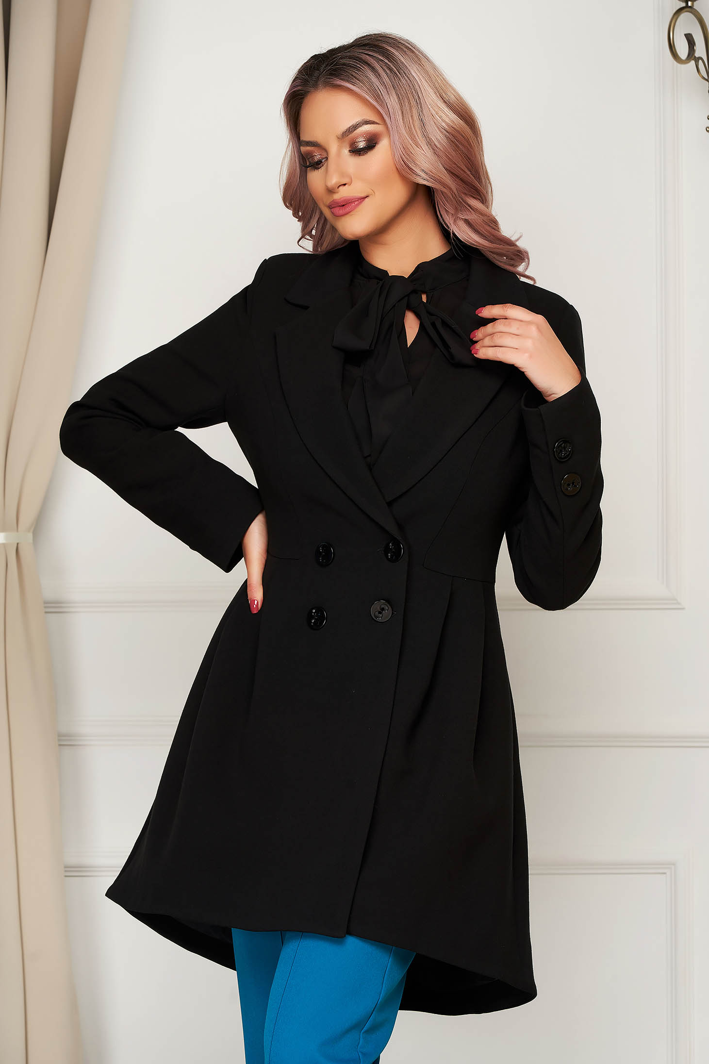 Coat black tented with inside lining slightly elastic fabric