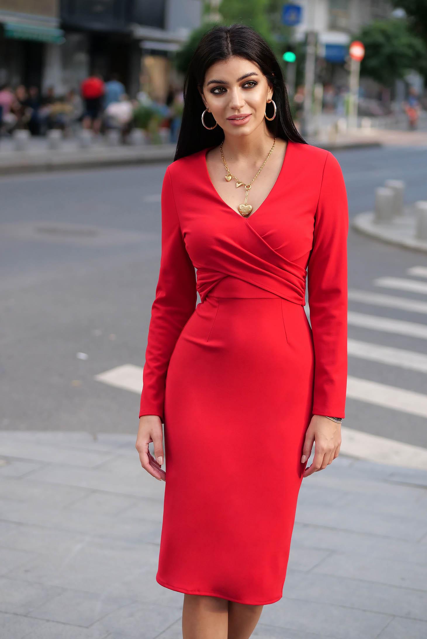 Piros elegáns szűk szabású ruha v-dekoltázzsal