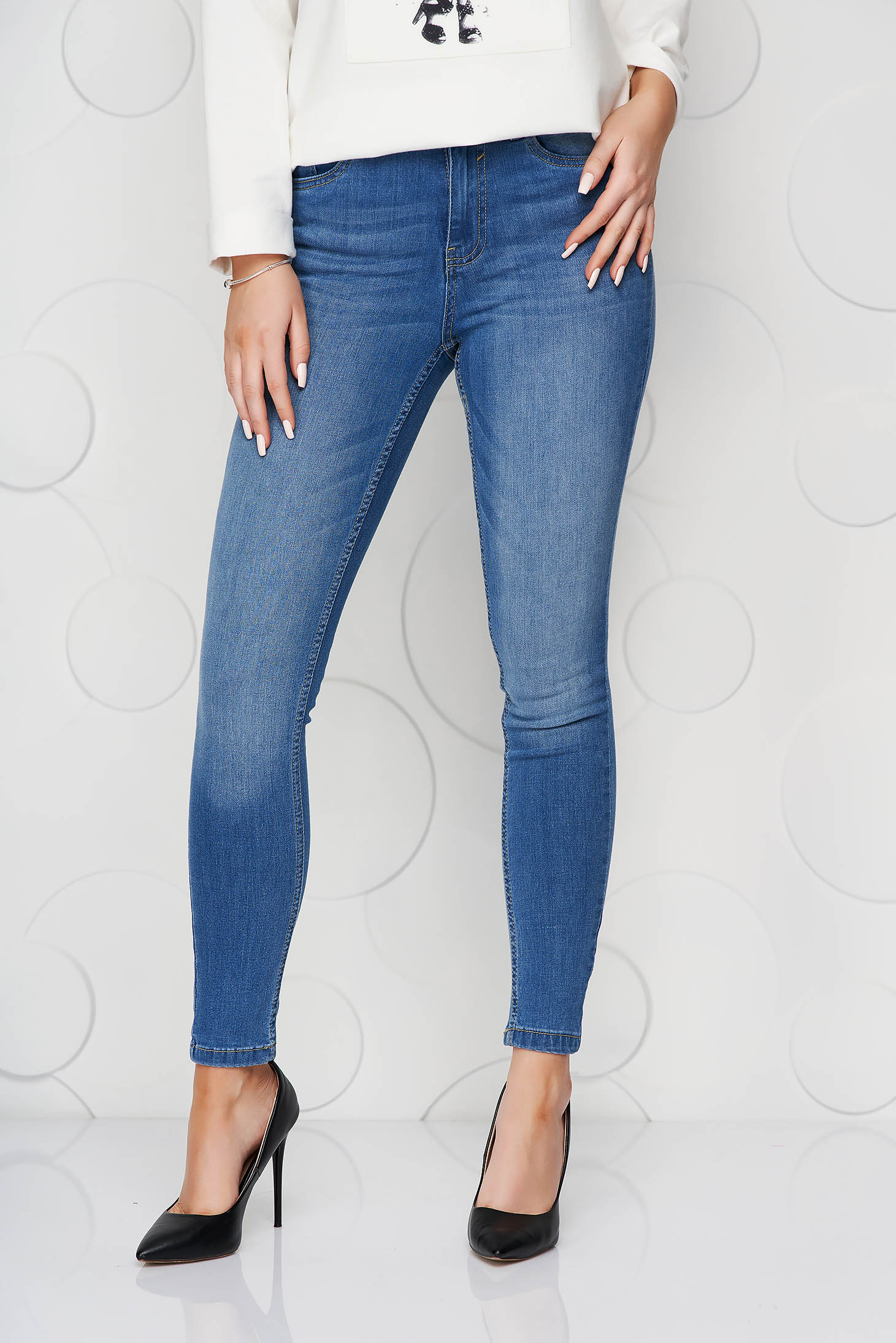 Blue jeans casual skinny jeans slightly elastic cotton with medium waist