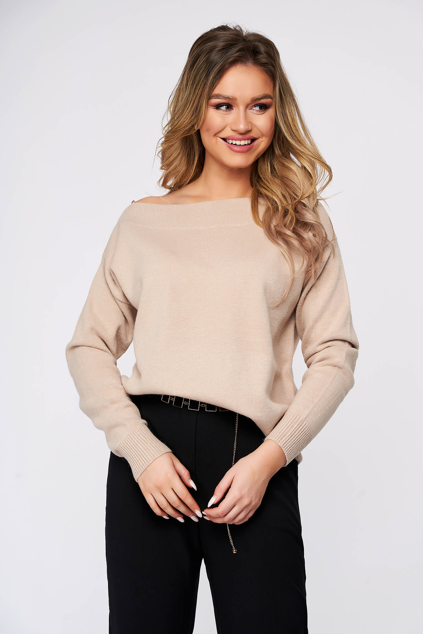 Peach sweater flared with large collar knitted fabric
