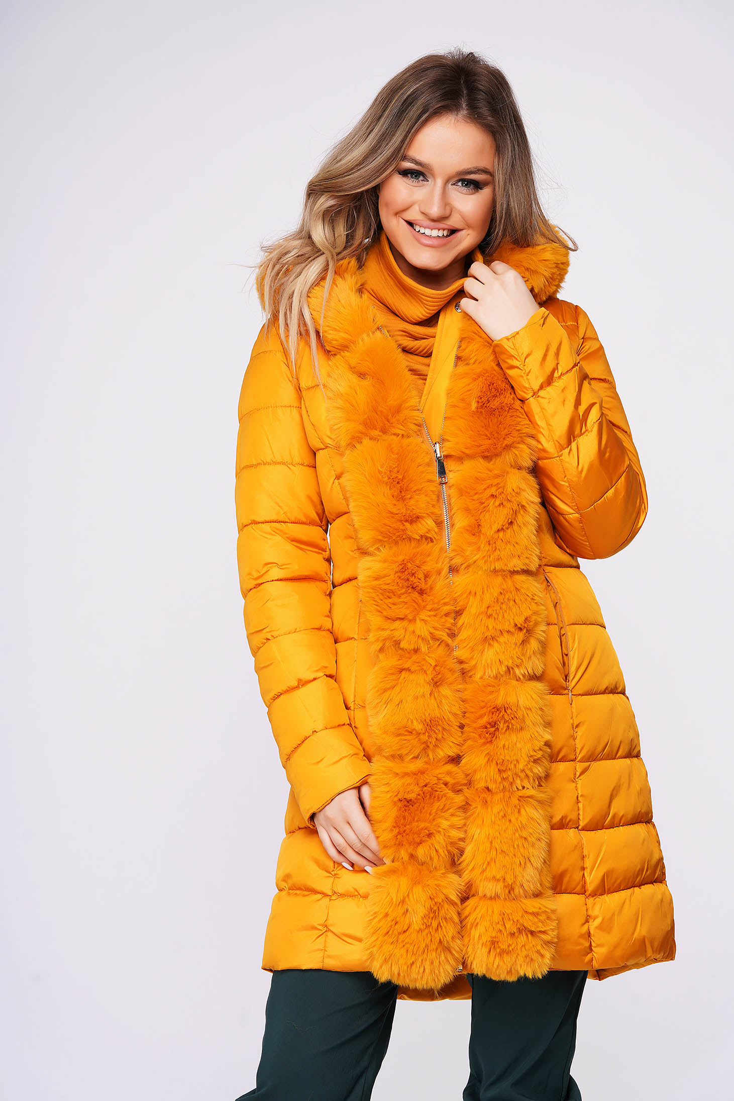 Yellow jacket casual from slicker double-faced arched cut with faux fur accessory