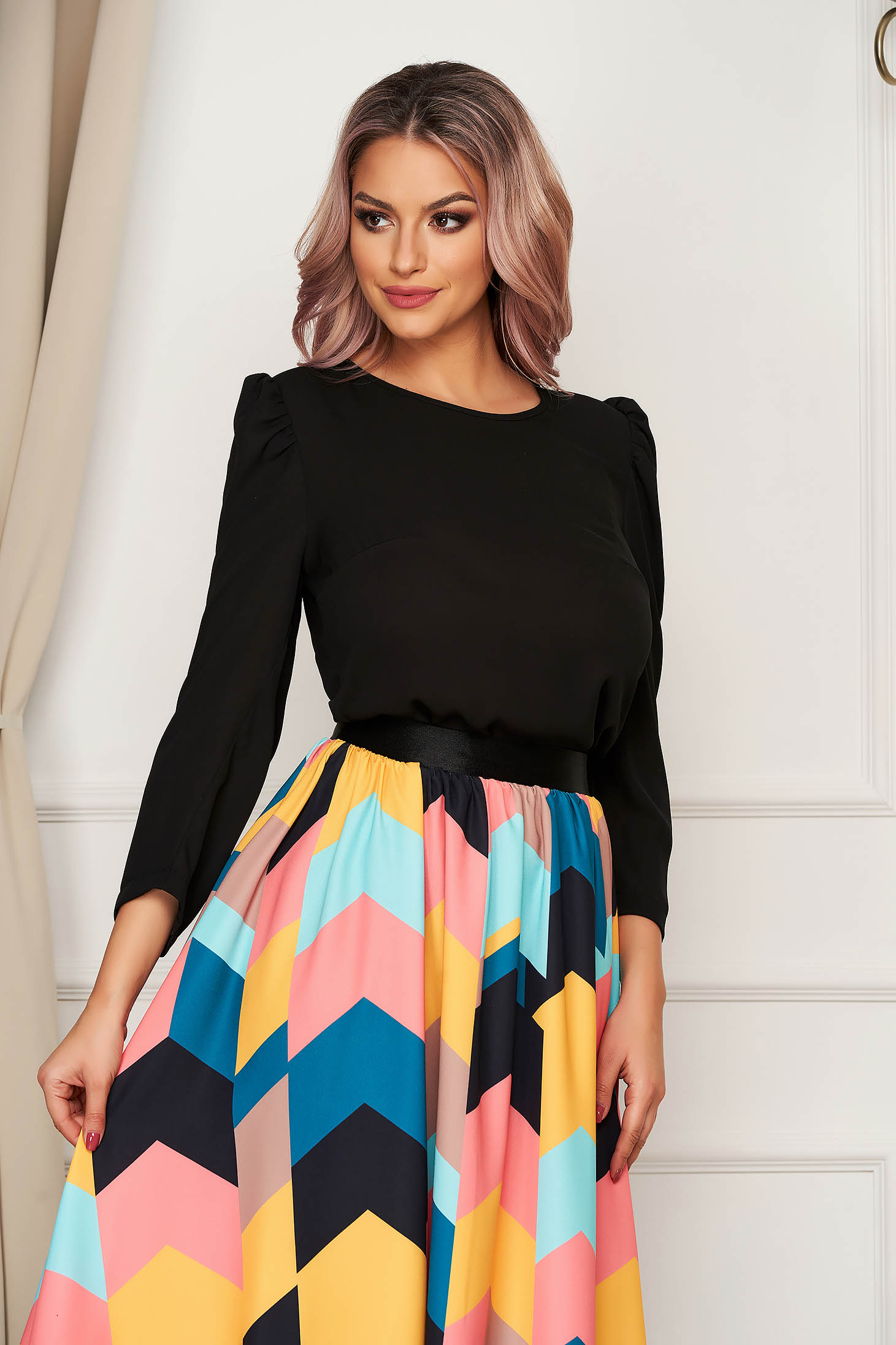 StarShinerS black women`s blouse with puffed sleeves with tented cut slightly elastic fabric
