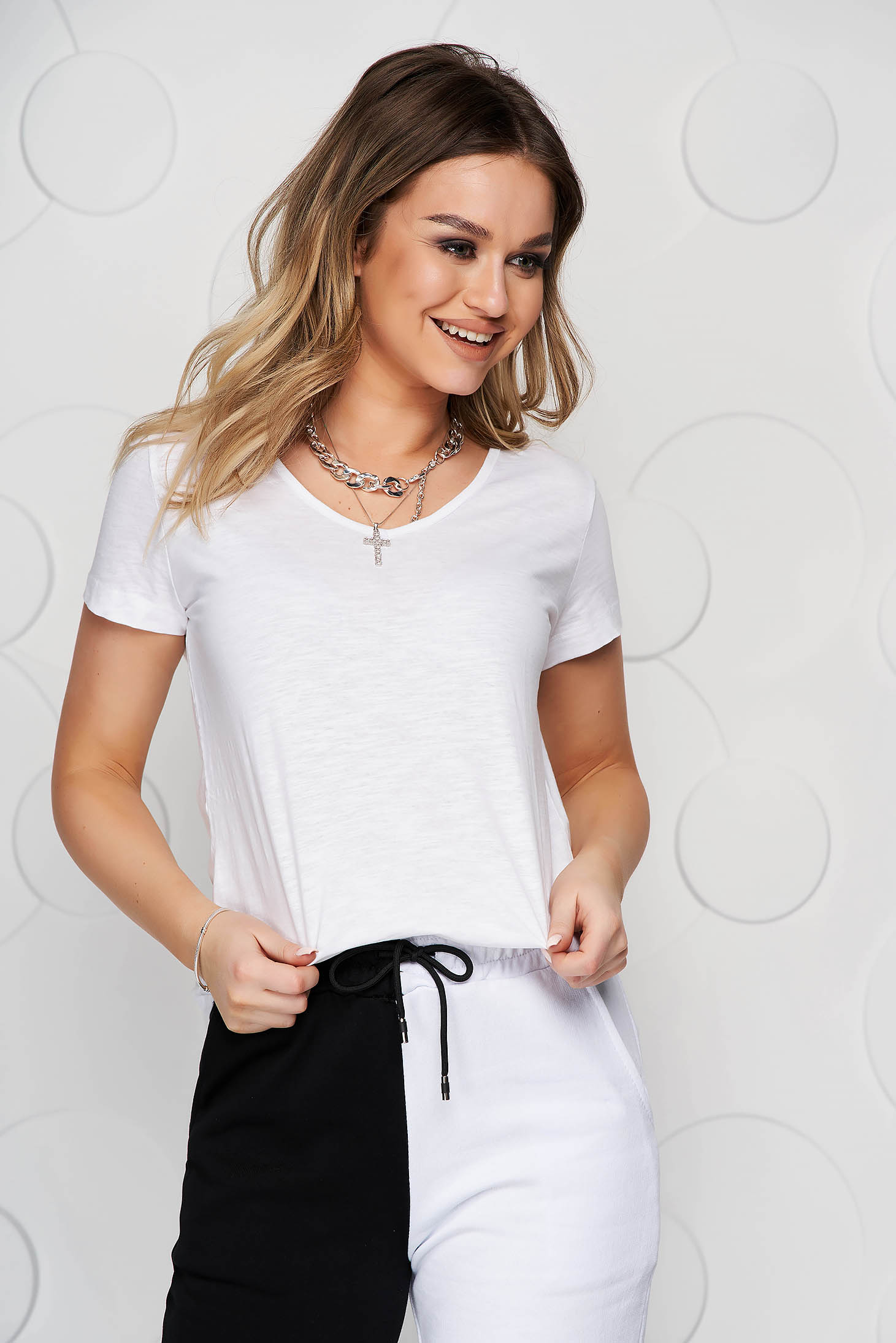 White t-shirt loose fit cotton with v-neckline basic