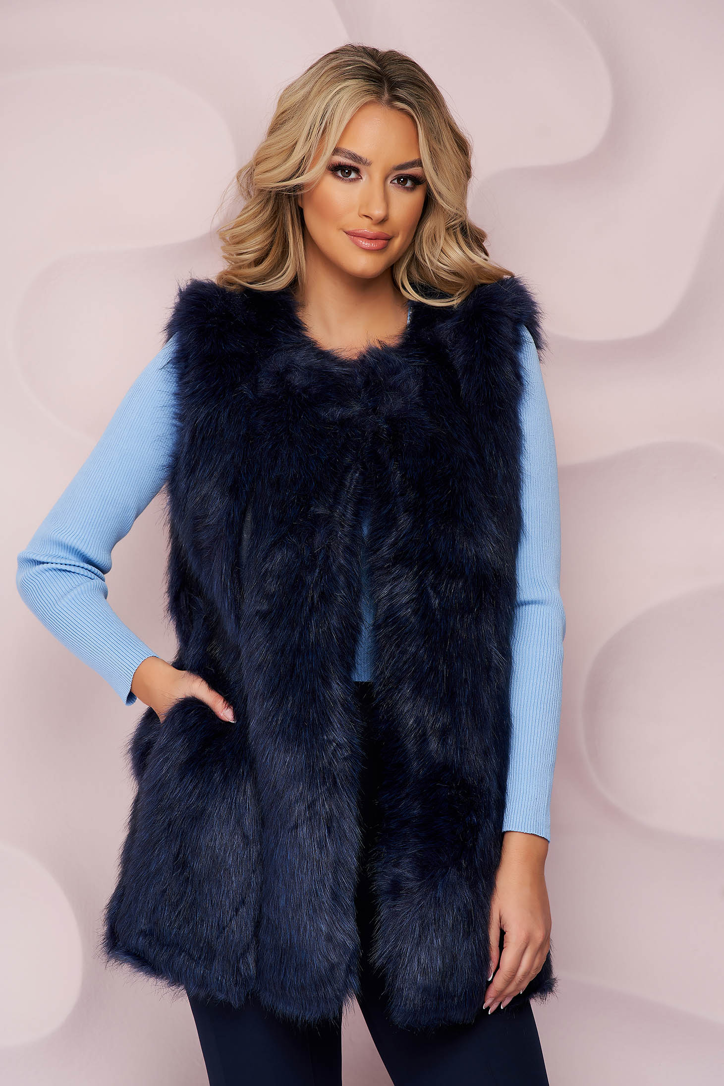Darkblue gilet from ecological fur with inside lining with straight cut