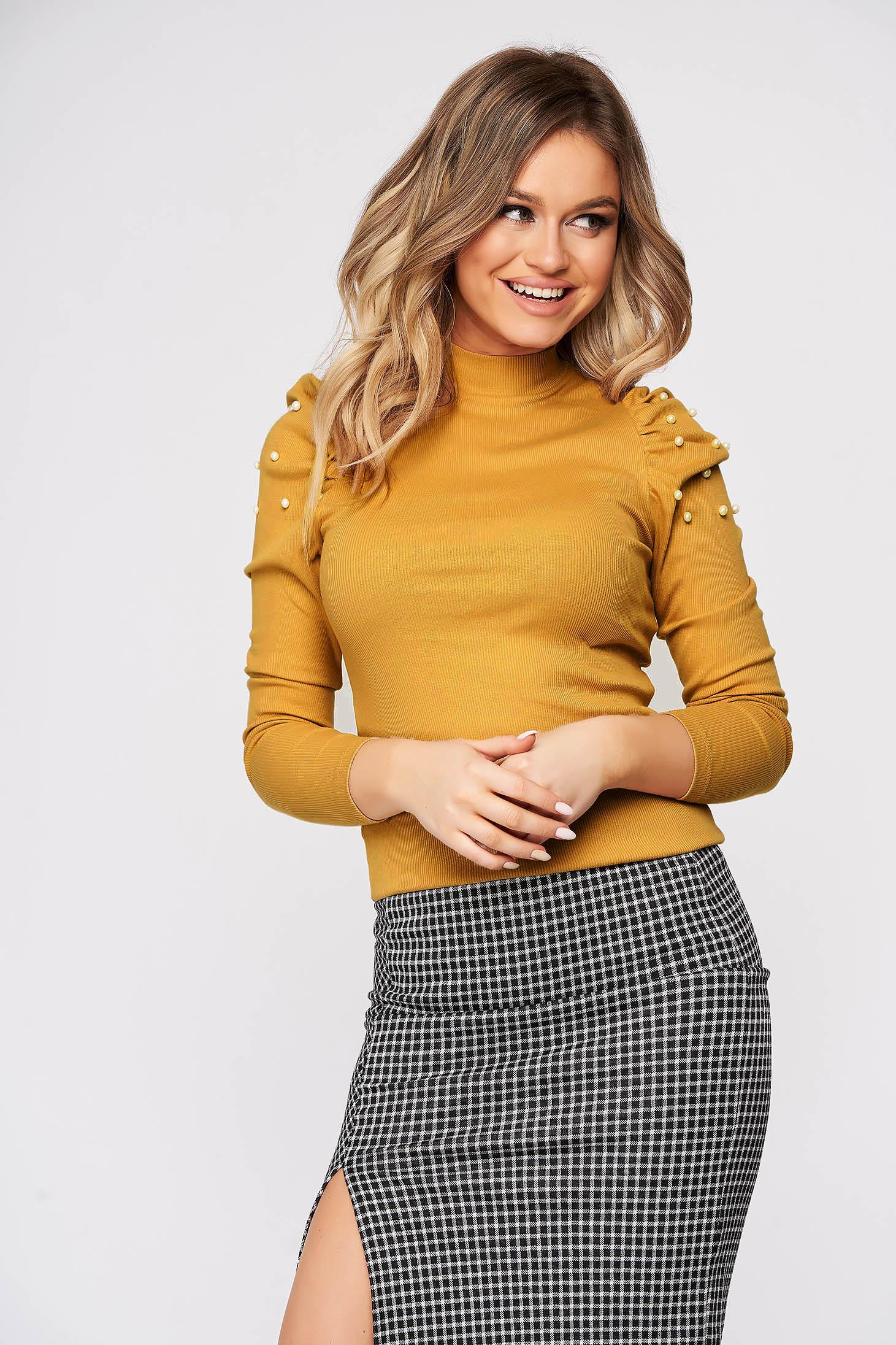 Bluza dama SunShine mustarie mulata pe gat din material reiat umeri cu volum