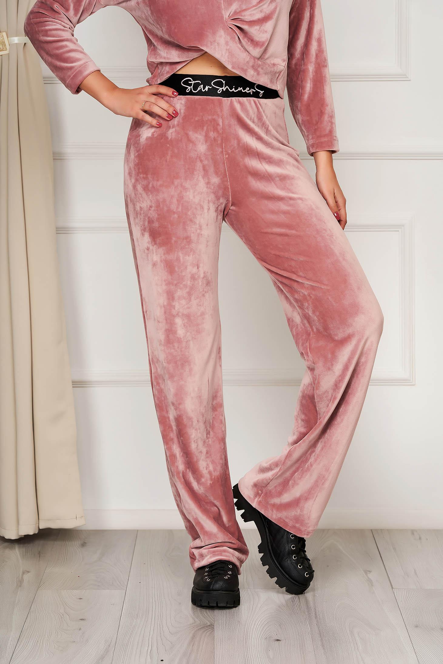 Pantaloni StarShinerS roz prafuit din plus cu croi evazat si broderie si elastic in talie