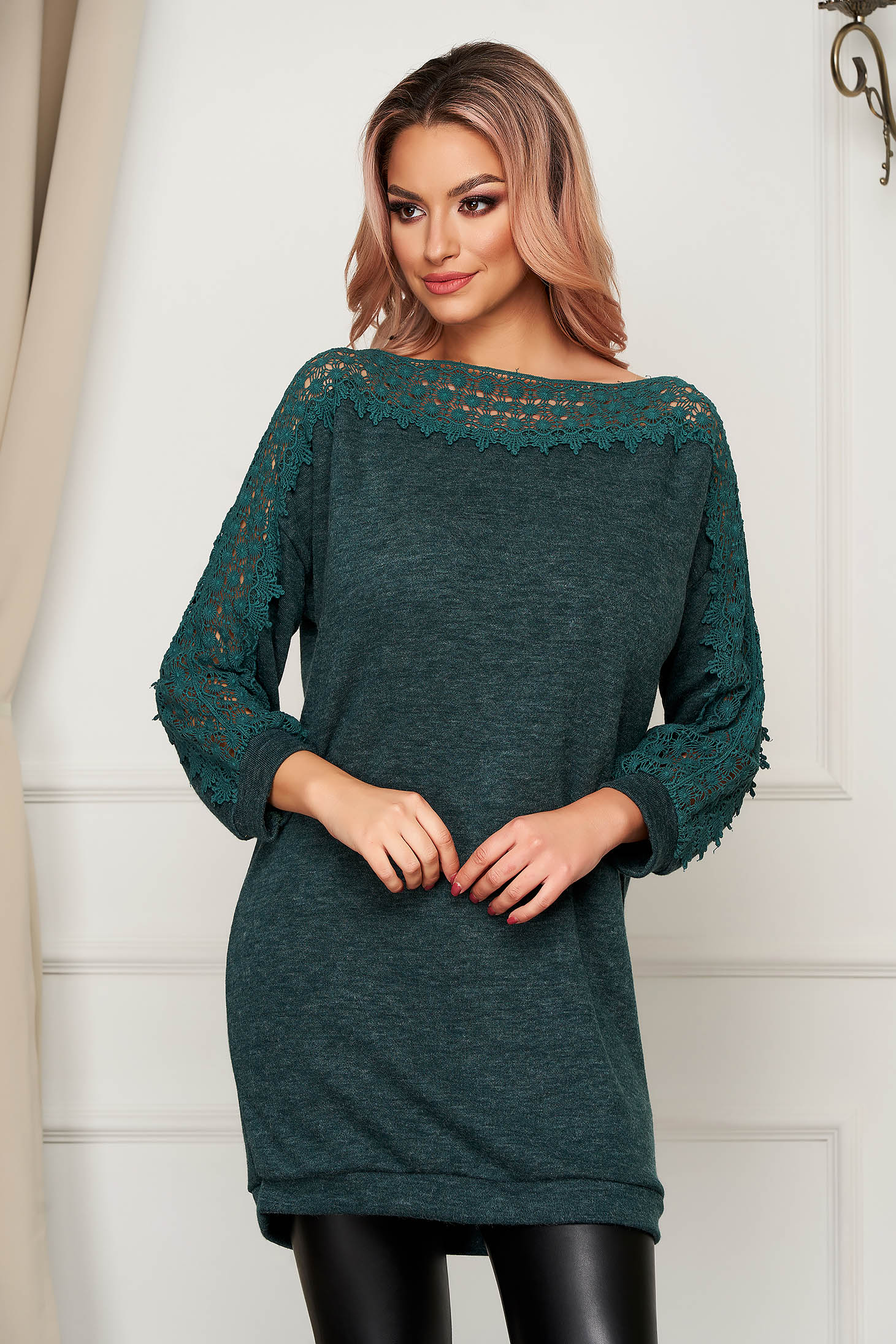 Darkgreen sweater casual long flared knitted fabric with embroidery details