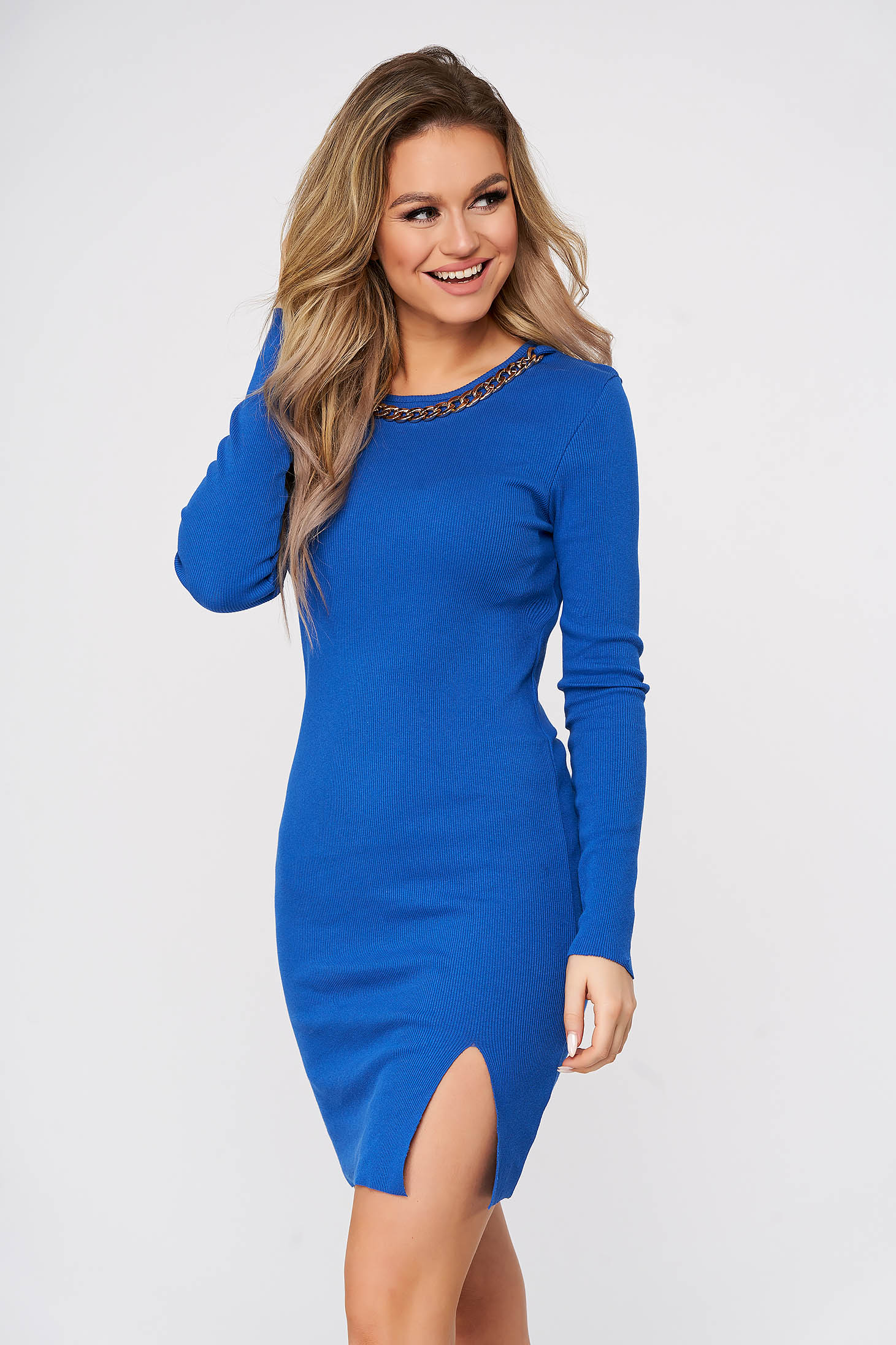 Blue dress casual short cut pencil accessorized with chain from striped fabric