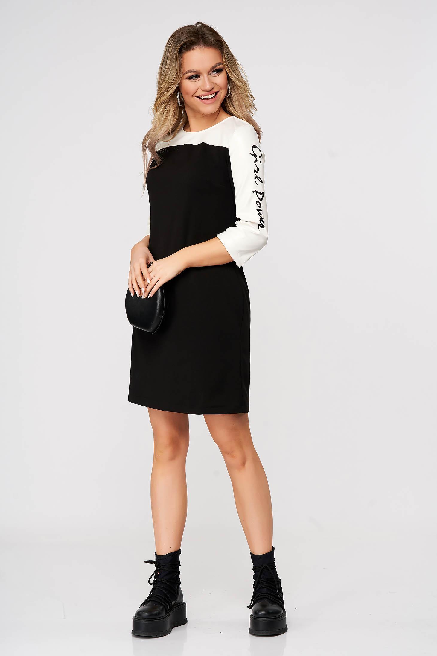 Fekete StarShinerS egyenes rövid hétköznapi ruha műbőrből hímzett betétekkel