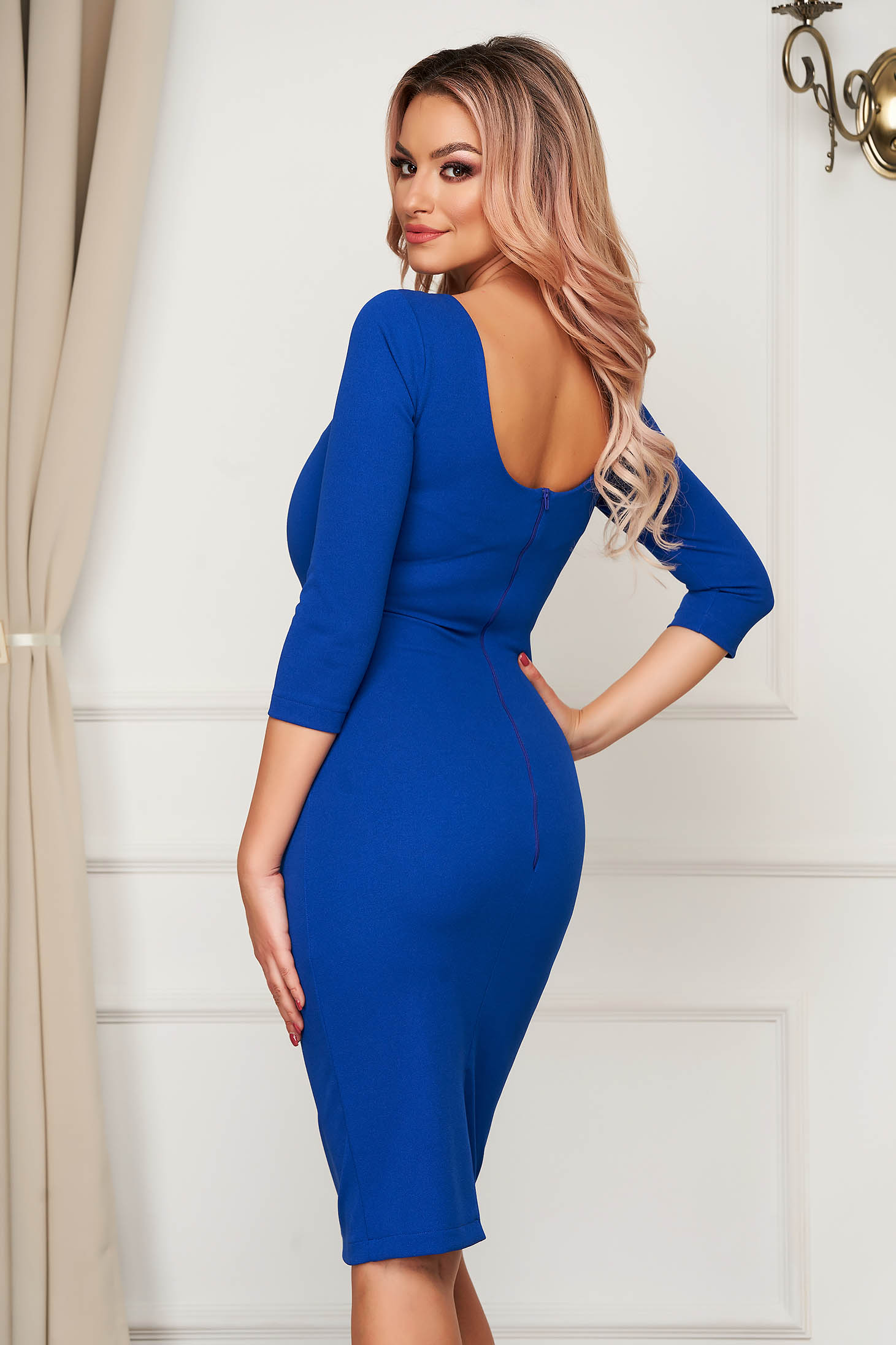 Rochie StarShinerS albastra eleganta midi tip creion cu spatele gol