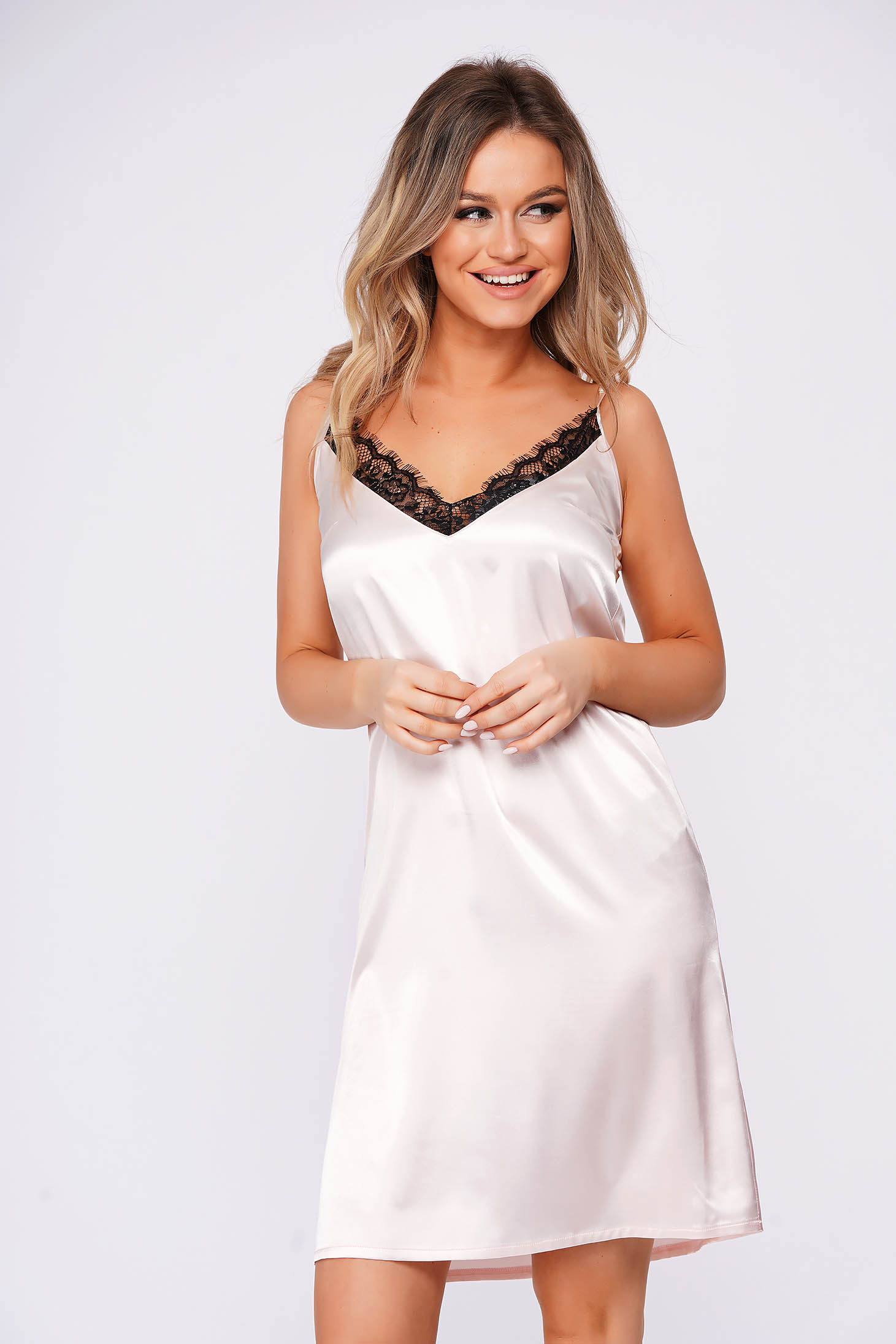 StarShinerS lightpink *cat_name* with lace details with v-neckline adjustable straps with easy cut from satin