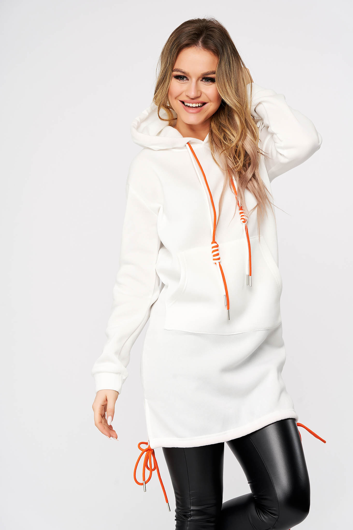 White coat daily cotton with undetachable hood with laced details