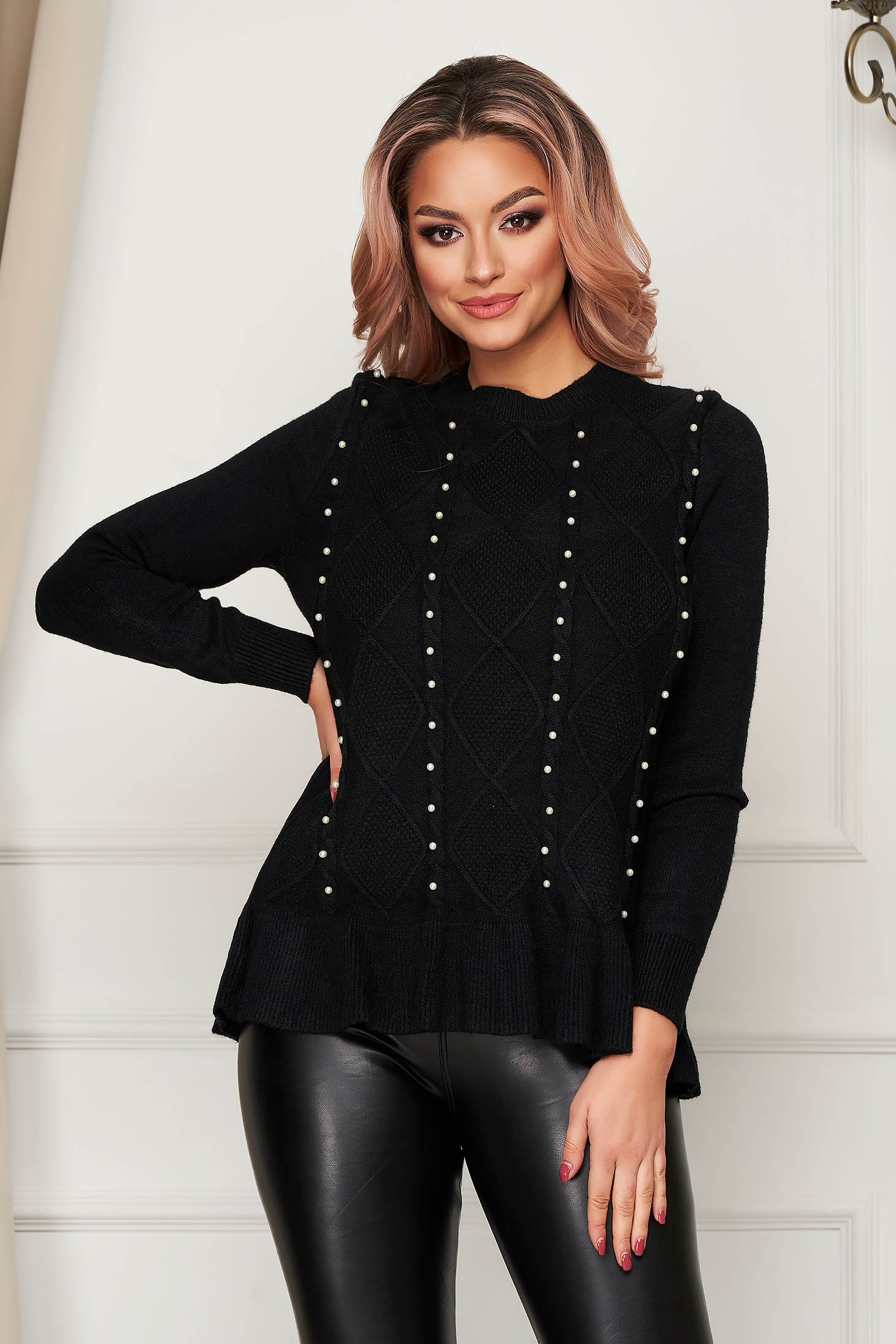 Black sweater casual flared knitted with pearls with ruffle details