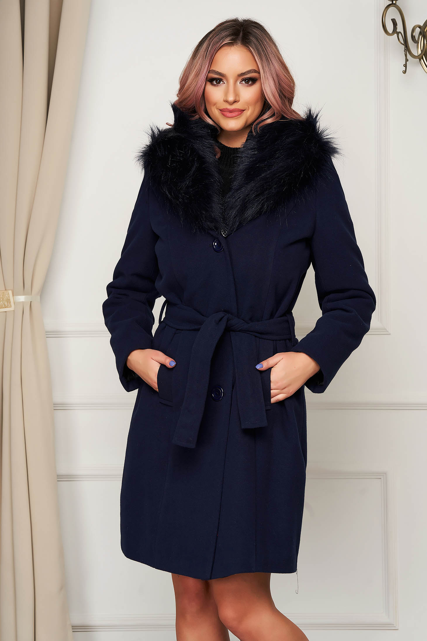 Darkblue coat wool straight elegant fur collar accessorized with tied waistband