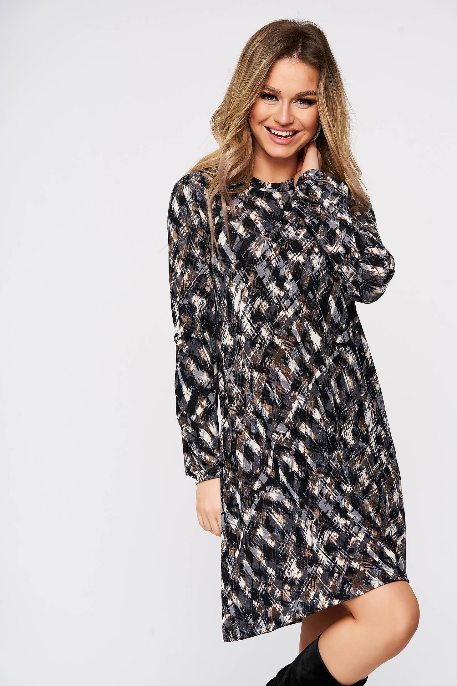 Rochie StarShinerS scurta de zi din material tricotat subtire cu croi larg