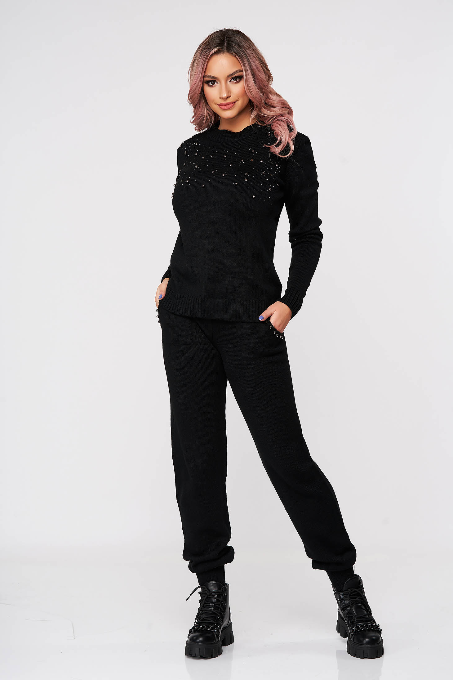 Black sport 2 pieces knitted 2 pieces with pearls medium waist