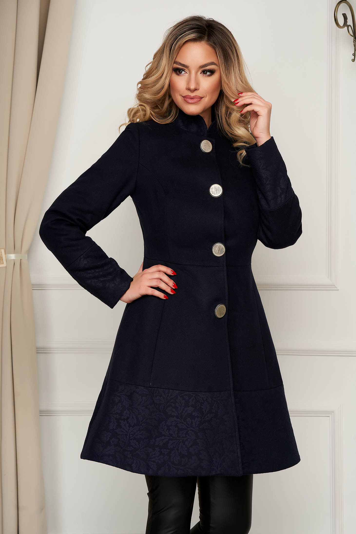 Elegant darkblue coat cloth cloche with pockets with inside lining