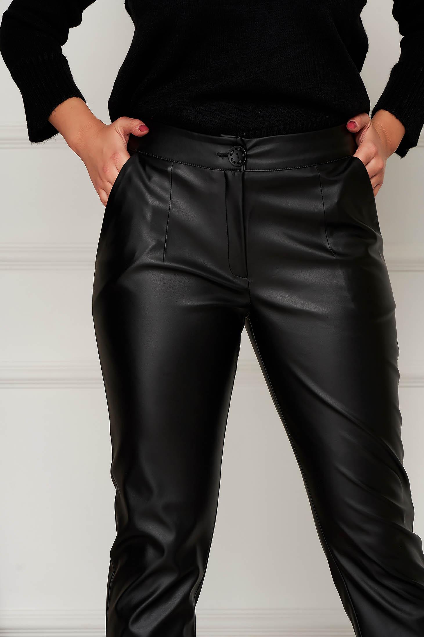 Pantaloni Artista din piele ecologica negri conici cu croi larg si cu buzunare