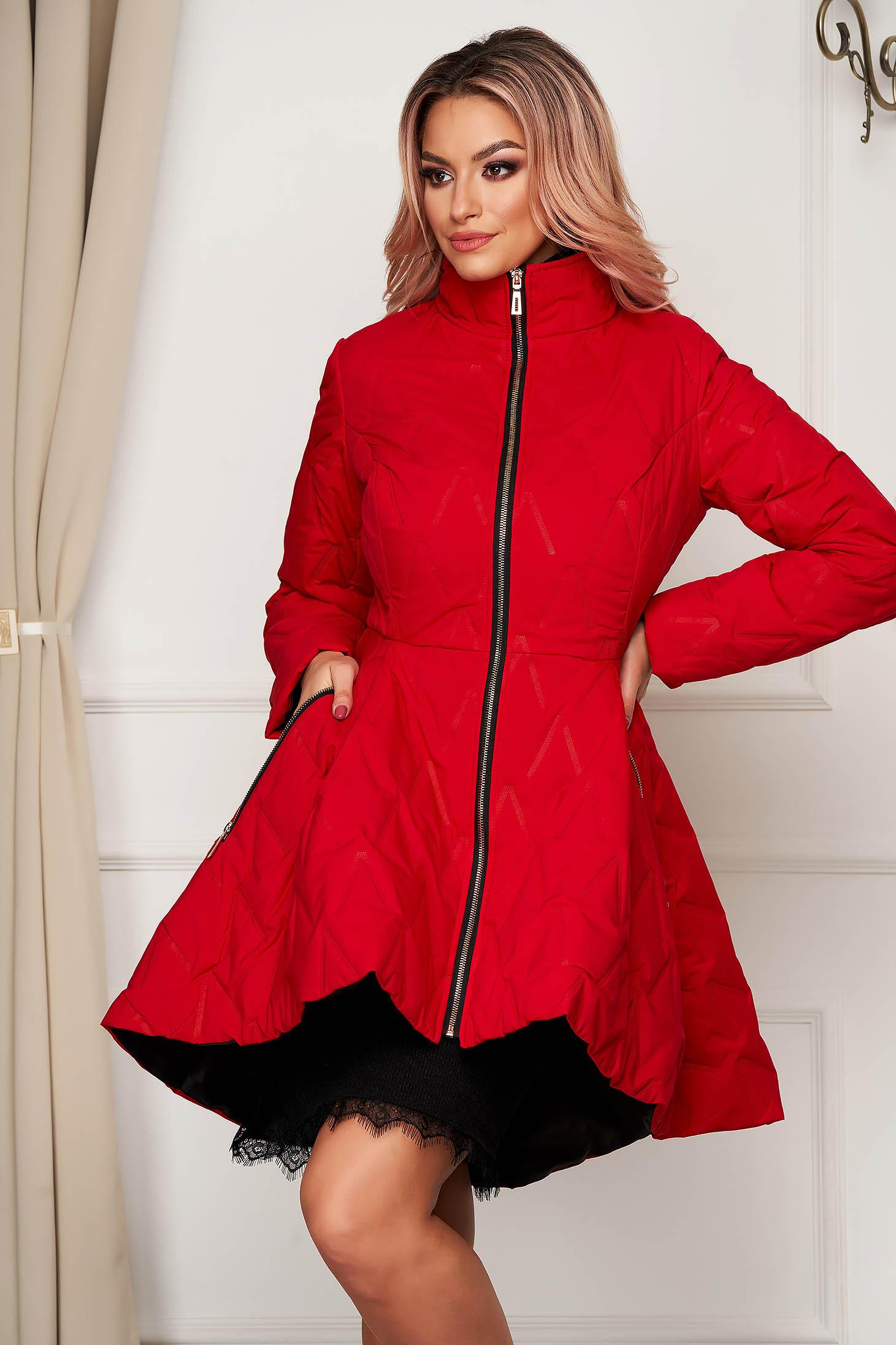 Piros vízlepergető deréktól bővülő szabású zsebes elegáns midi dzseki