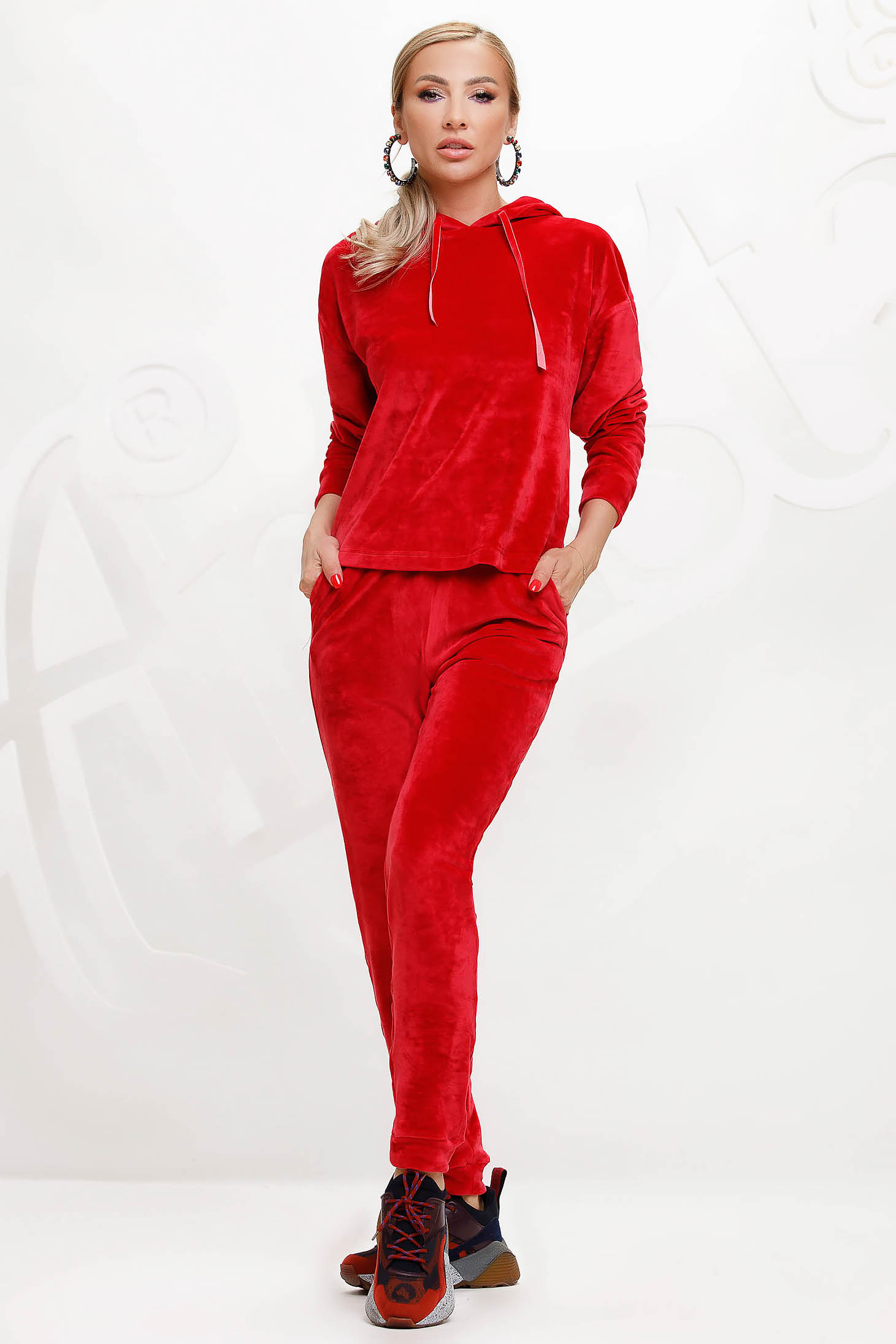 Red casual sport 2 pieces 2 pieces loose fit with undetachable hood